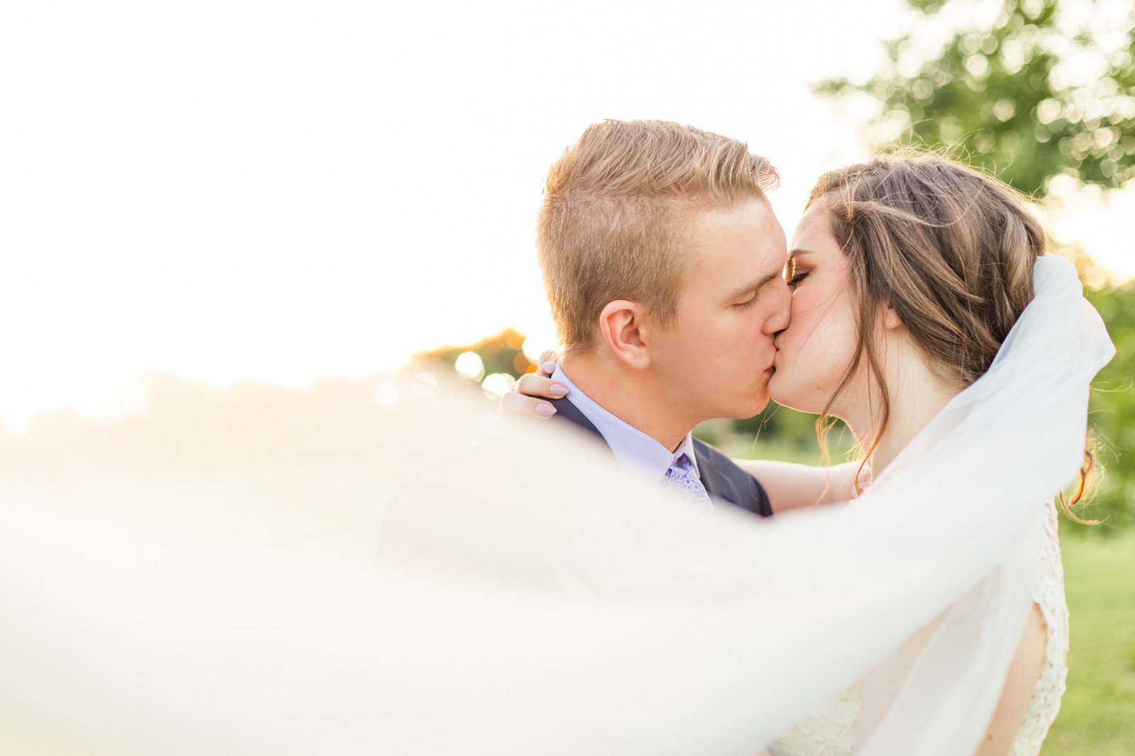 st-louis-wedding-photographer-belleville-alton-summer-spring-romantic-200