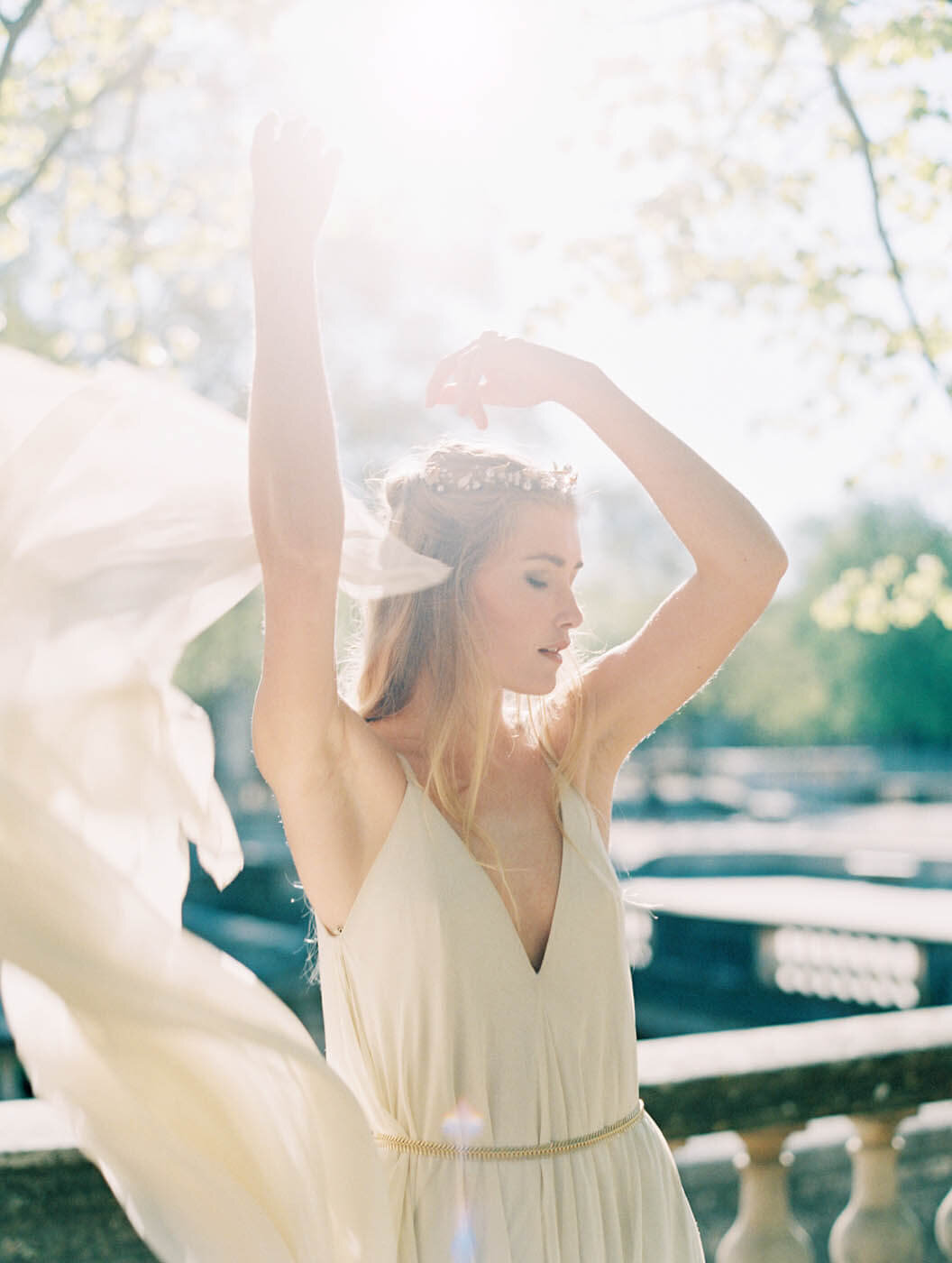 modern bride wedding in france