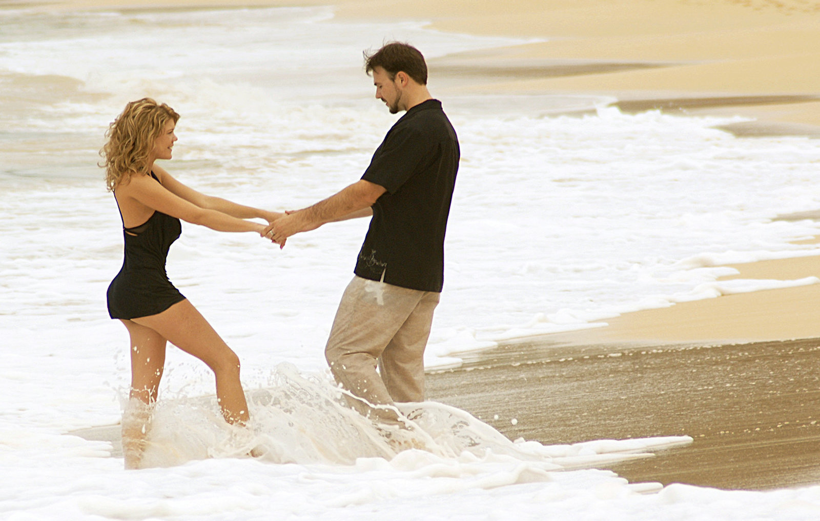 beach-engagement-photography-hawaii