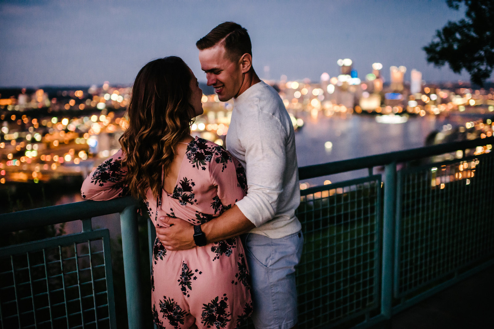 Pittsburgh-Engagement-Session-West-End-Overlook