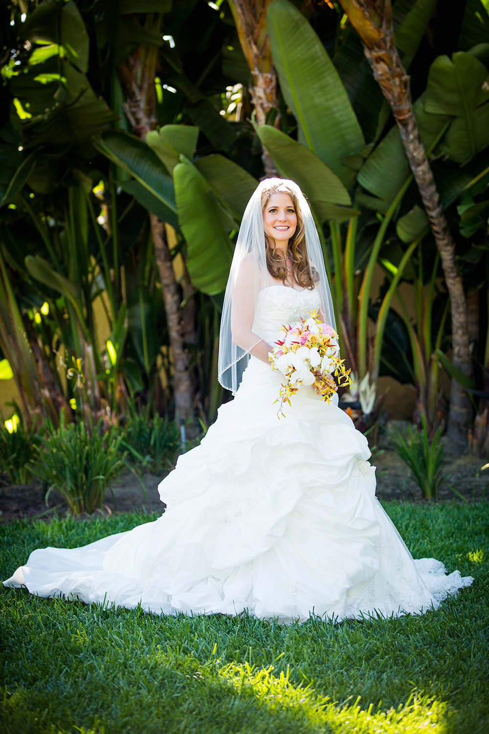 tropical bridal image at hilton mission bay