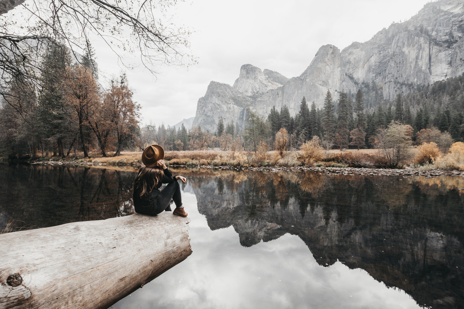 athena-and-camron-yosemite-national-park-christian-couple-travel-bloggers-couple-goals19-epic-landscape-yosemite-valley-girl-wearing-hat-yellow108