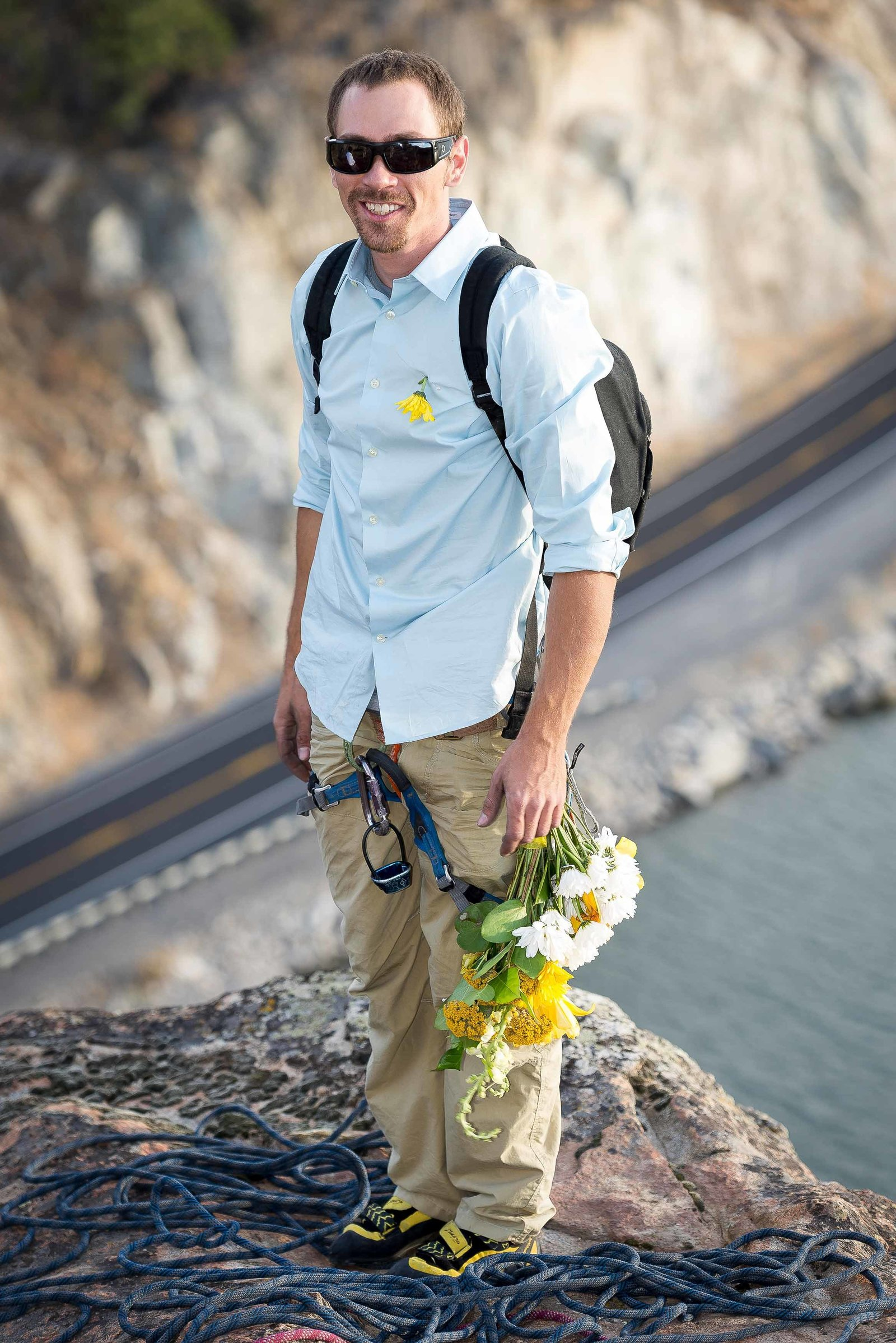 Groomsman-Climbing-Wedding-Intimate-Adventure-Wedding-Photographer