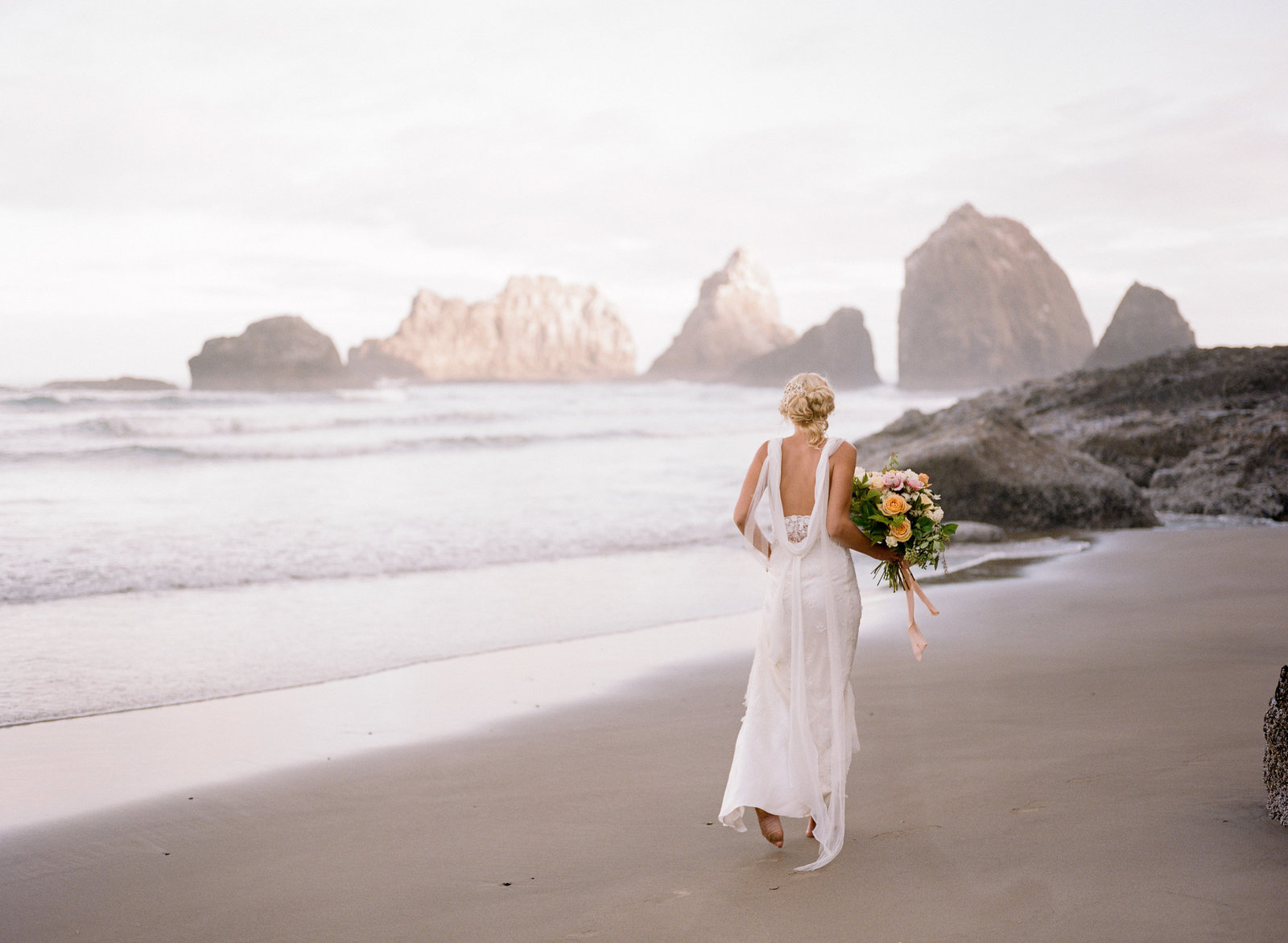Galatea_romantic_beach_oregon_coast_wedding_dress_JoanneFlemingDesign20