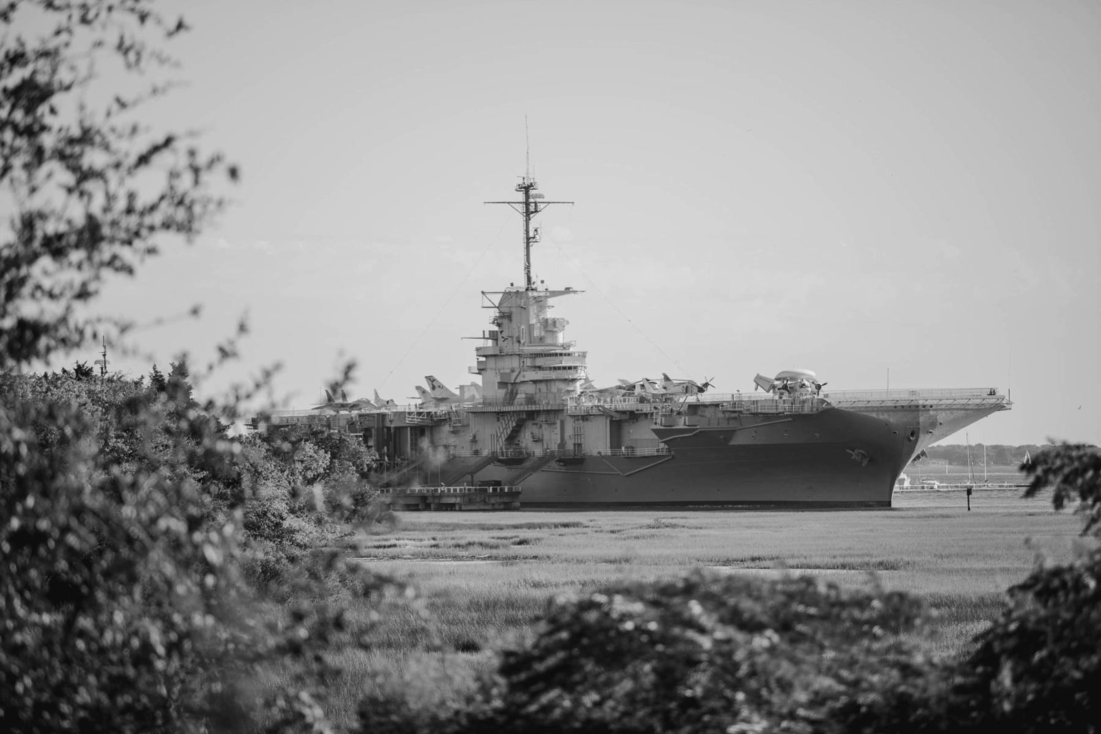 Uss Yorktown can be seen from ceremony site, Harborside East, Mt Pleasant, South Carolina