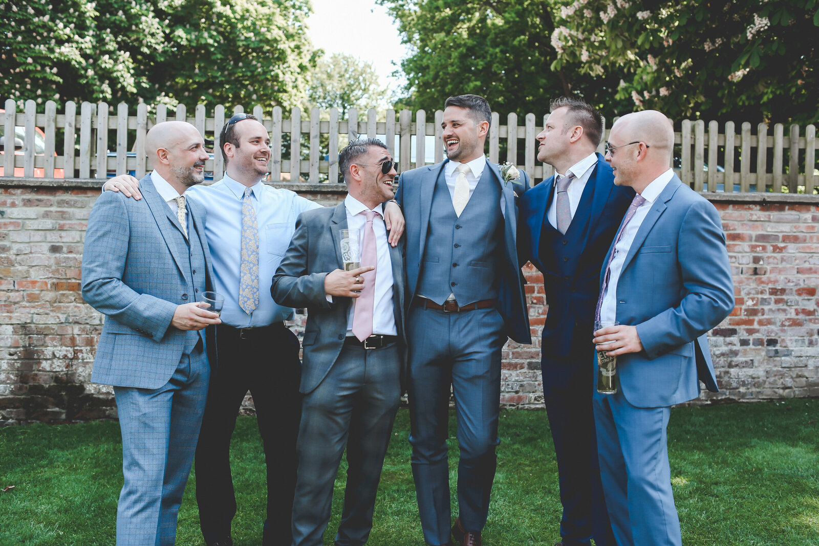 LAINS-BARN-WEDDING-PHOTOGRAPHER-FUN-REALXED-0044