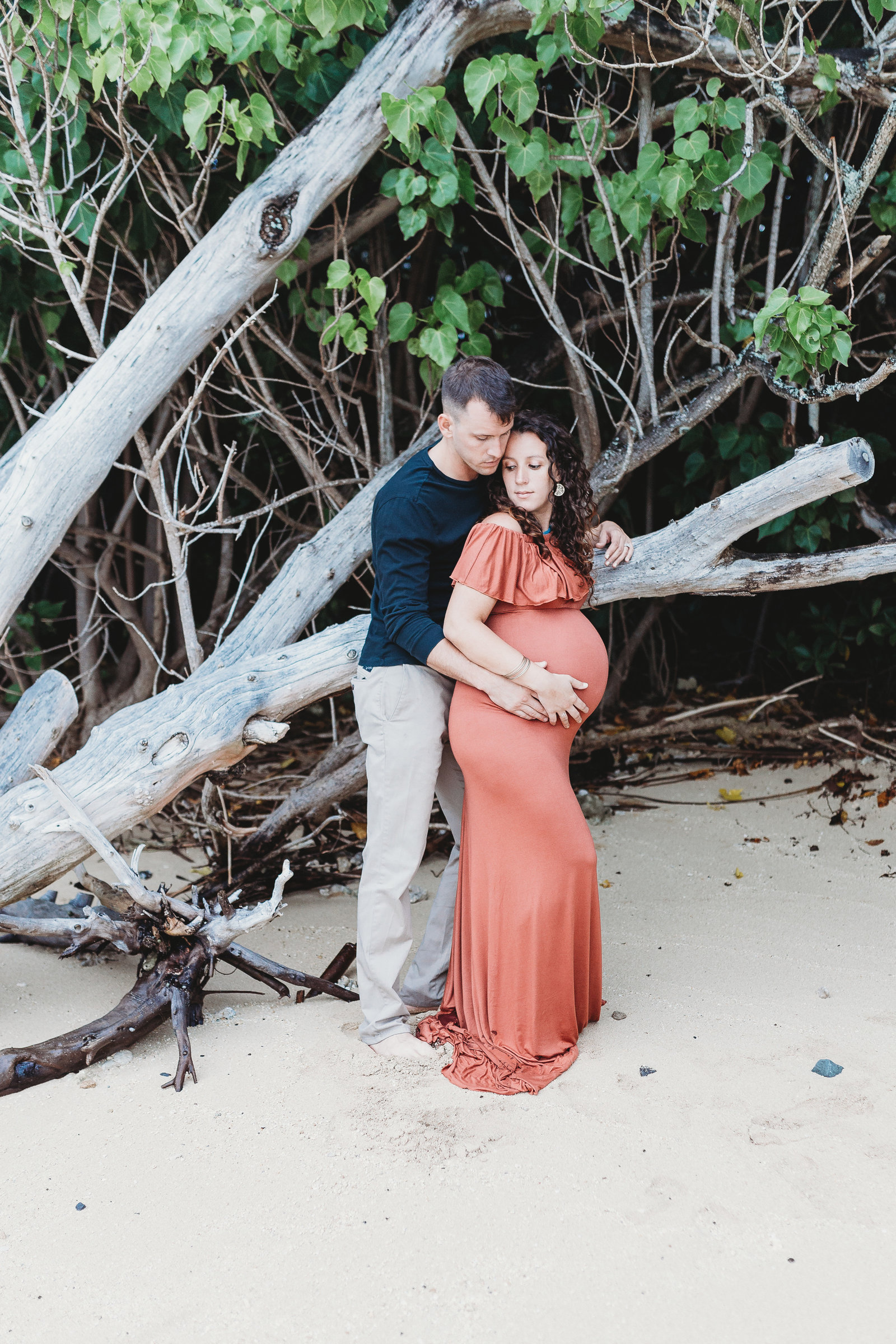 Couples Maternity Photography Shoot - Pregnant Couple on Beach - Honolulu, Oahu, Hawaii - Brooke Flanagan Maternity Photographer
