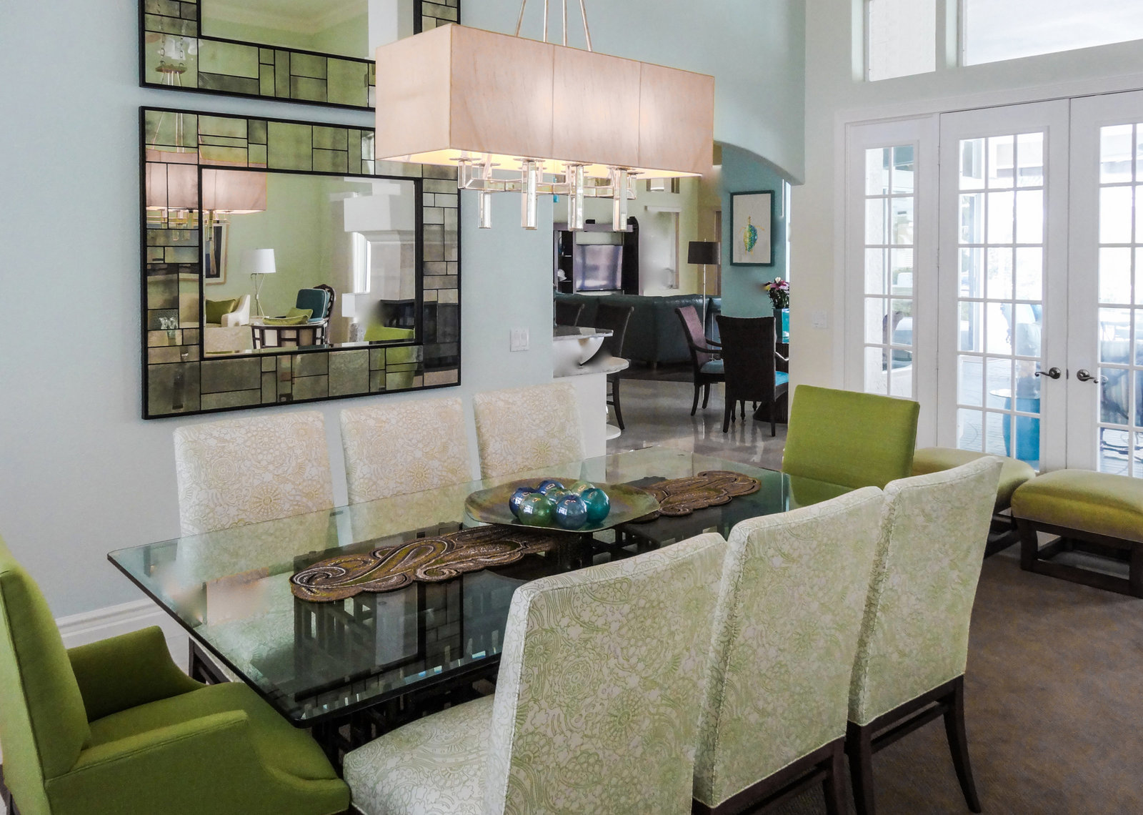 Green and White Florida Contemporary Dining Room Design