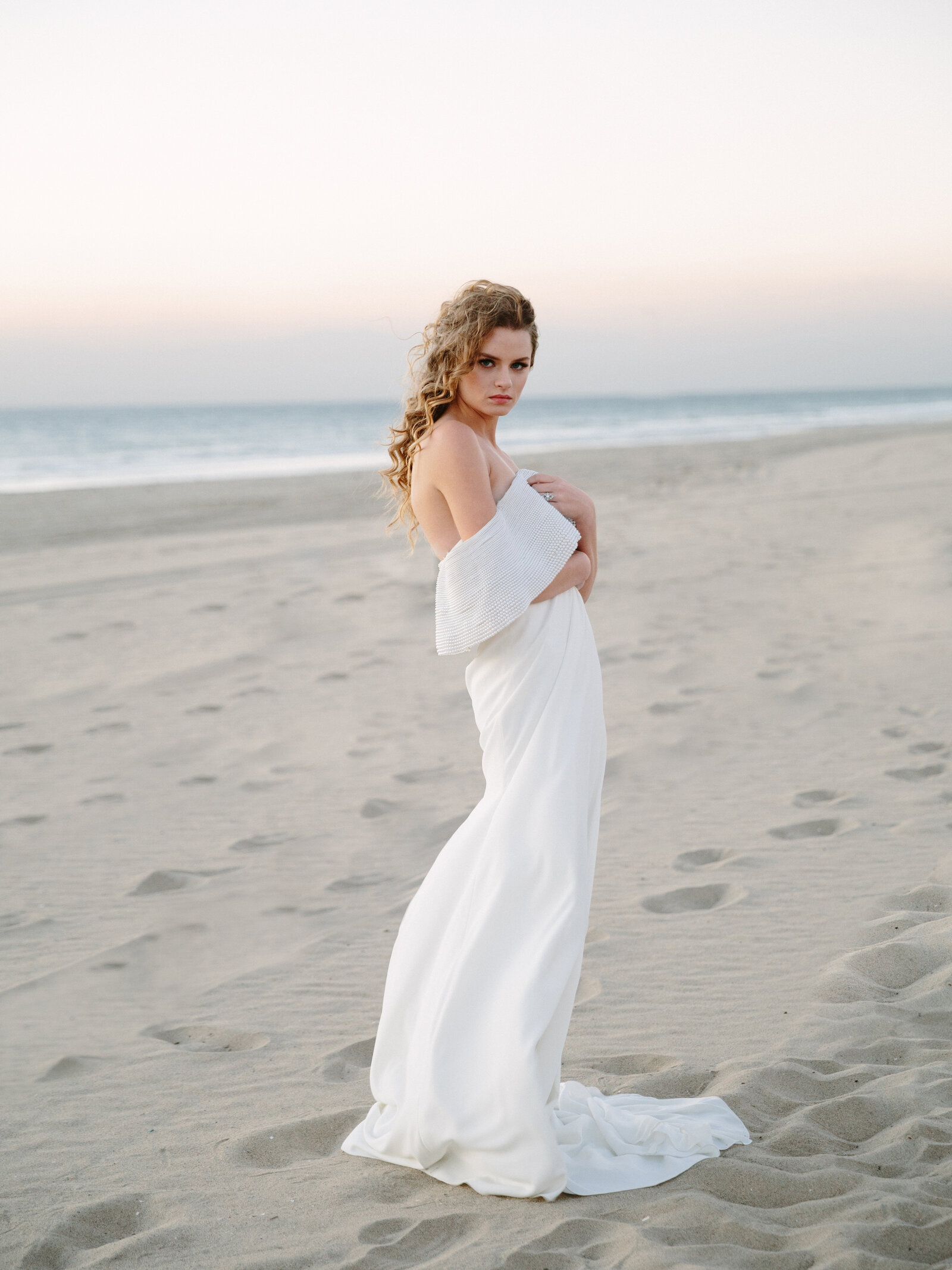 051-larissa-cleveland-editorial-fashion-wedding_photographer-san-francisco-carmel-napa-california-LCphoto-winter-beach-socal-001