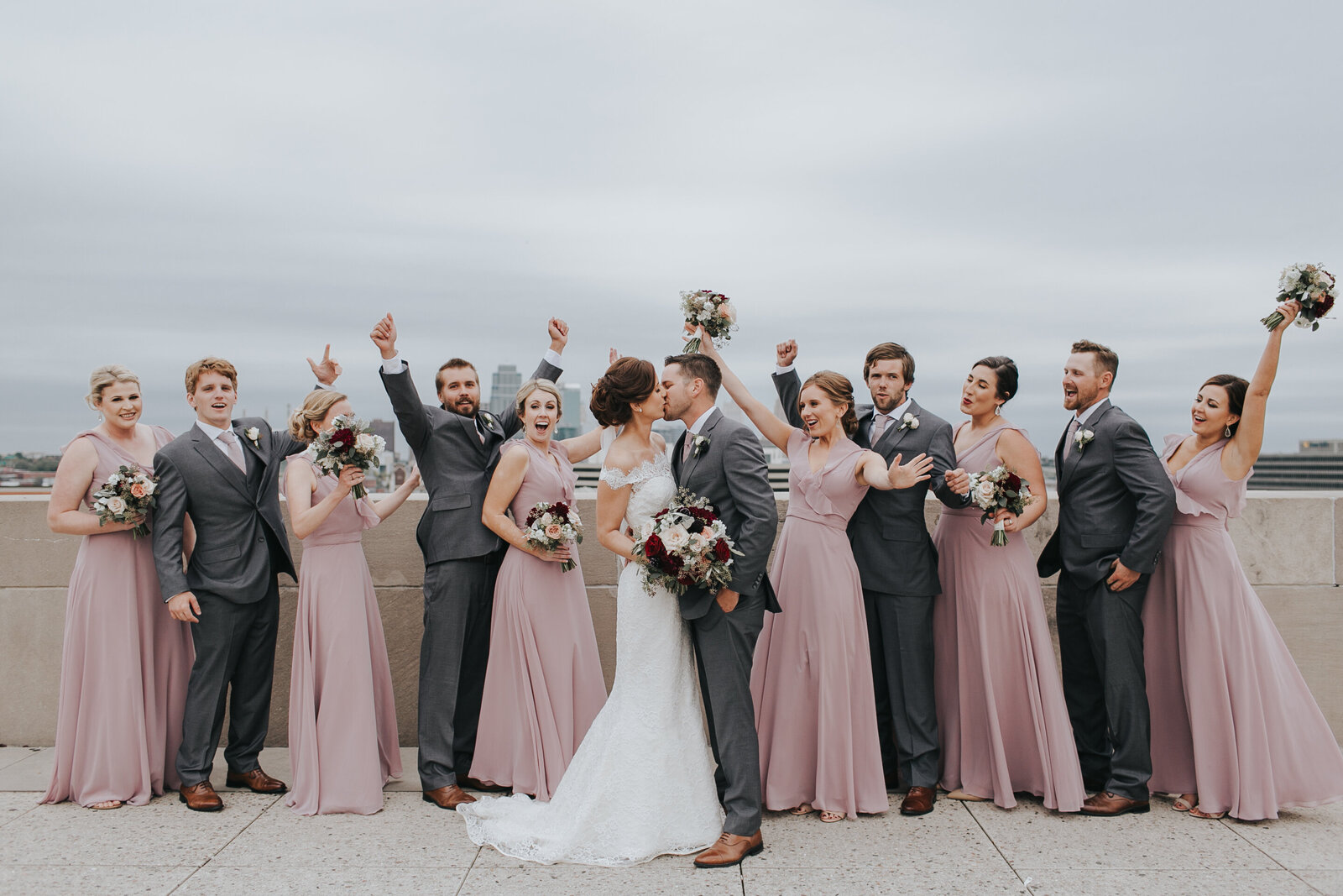 Bridal+party+Kansas+City+Skyline