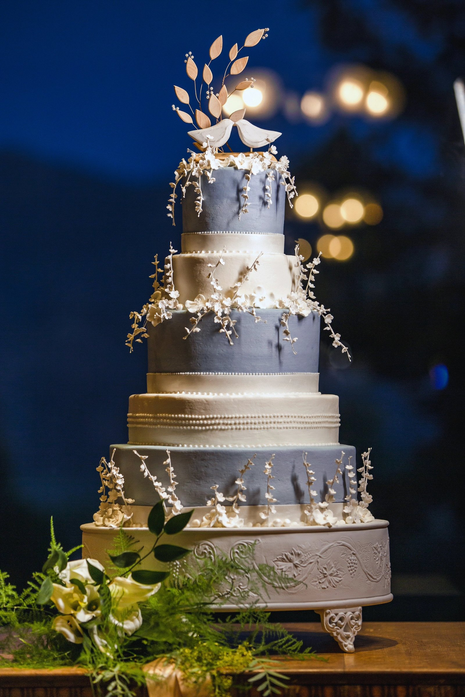 newhall mansion wedding cake by jill's wedding cakes