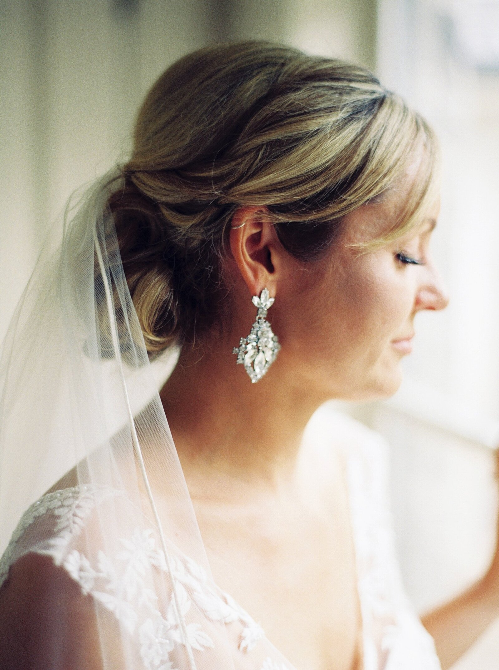 port-perry-wedding-photographer-estate-penryn-mansion-romantic-bride_0040
