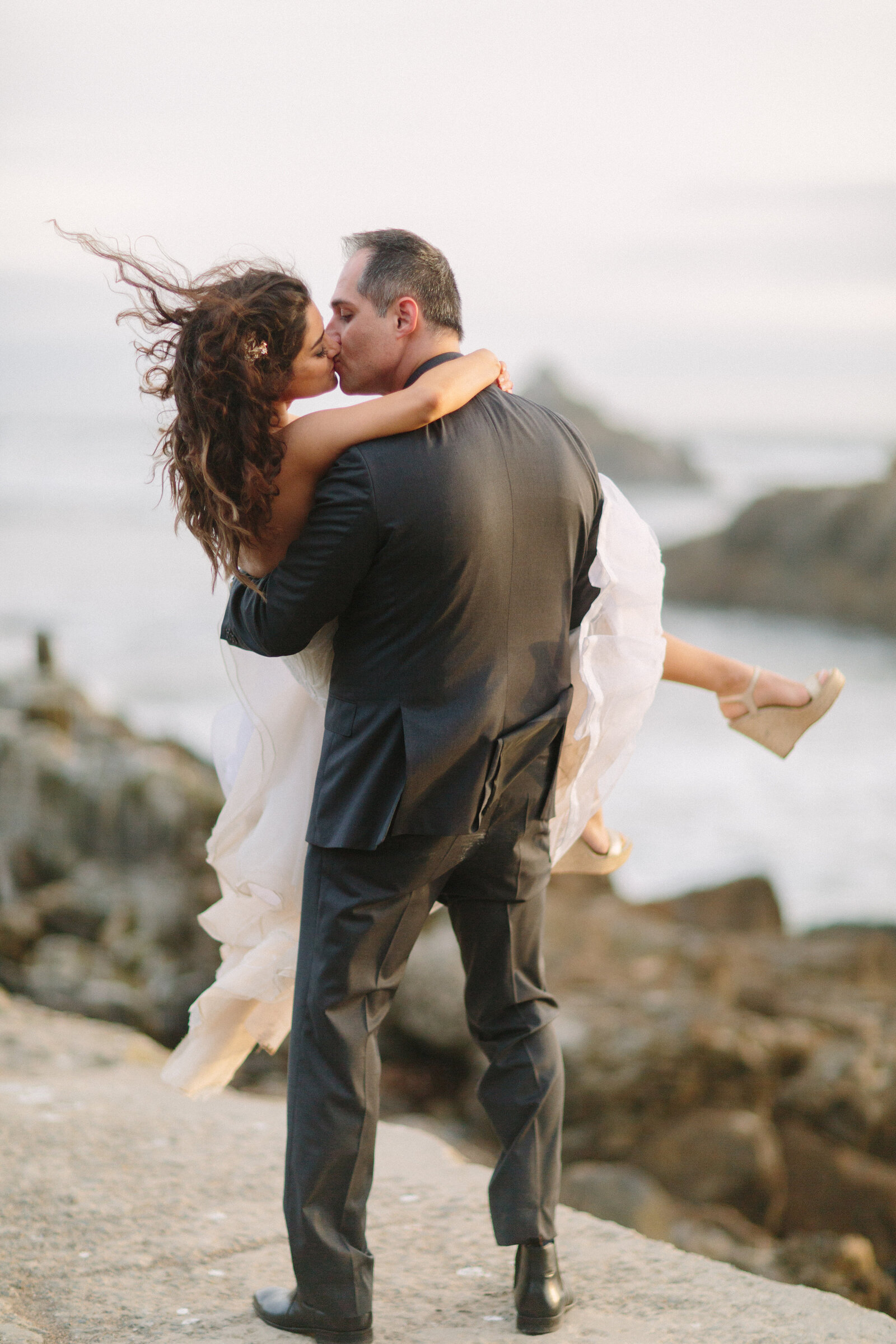 larissa-cleveland-elope-eleopement-intimate-wedding-photographer-san-francisco-napa-carmel-002