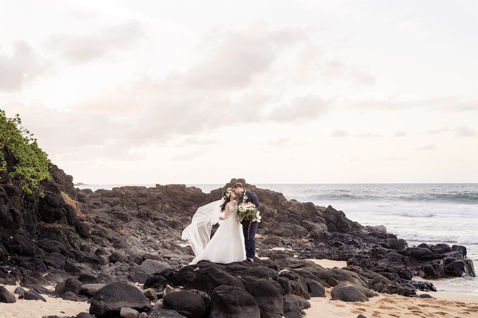 Oahu Hawaii Wedding Photos-475