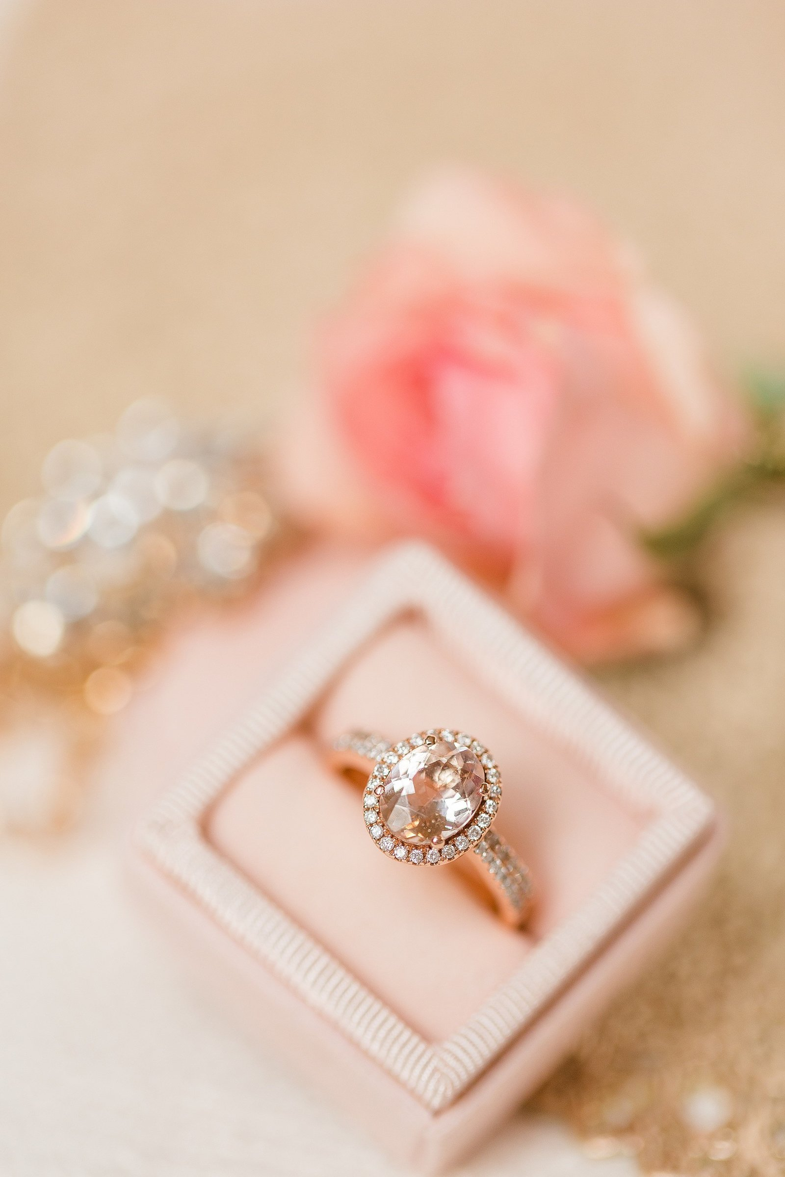 morganite-ring-rose-gold-blush-velvet-ring-box