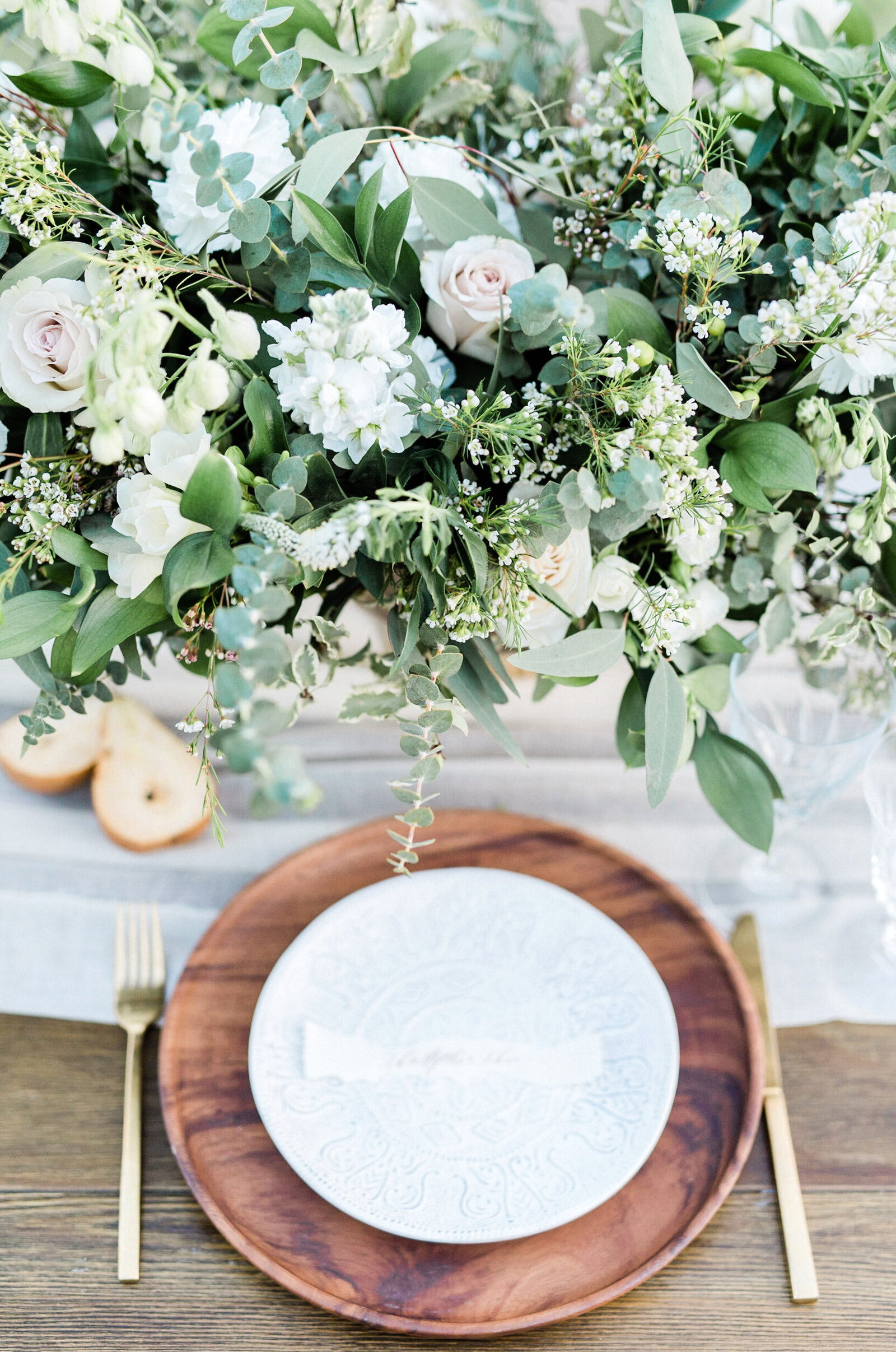 luxury-wedding-flowers-reception-centerpiece