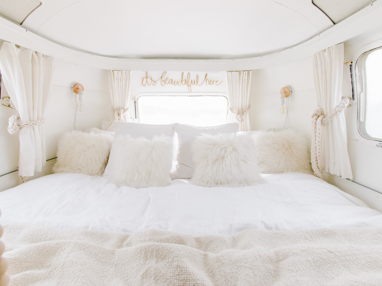 Meet our newly renovated 1976 vintage airstream | Lived and travelled in it for 7 months | read more on www.lynneknowlton.com