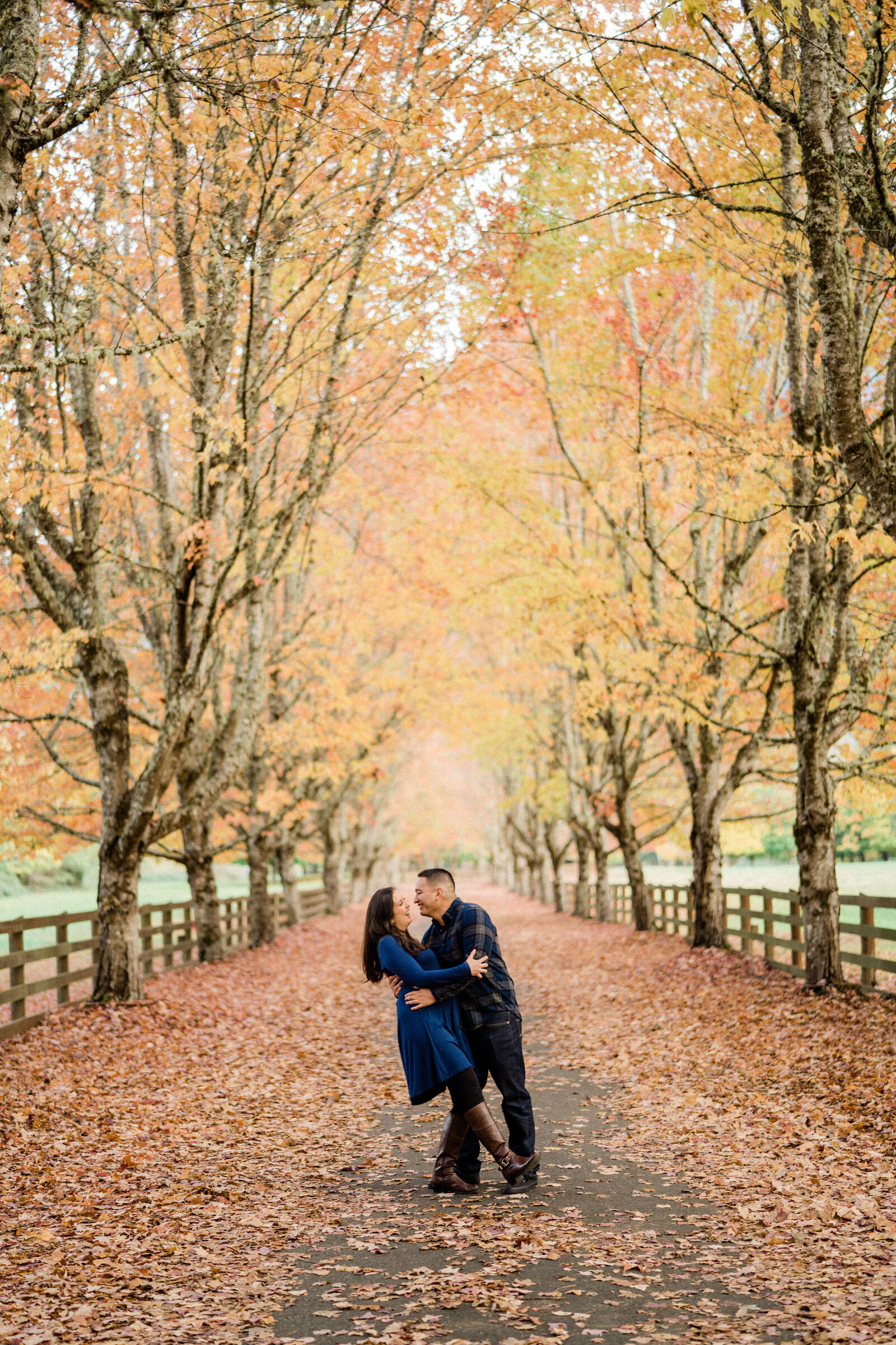 Romantic kiss at Rockwood Farm, best spots for engagement photos in Seattle