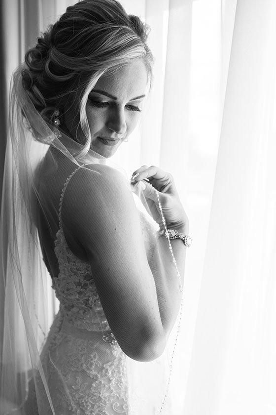 Wedding-Photographer-Pennsylvania-Bride-Black-White