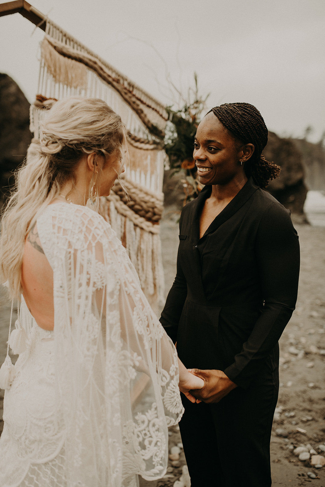 Ruby_Beach_Styled_Elopement_-_Run_Away_with_Me_Elopement_Collective_-_Kamra_Fuller_Photography_-_Ceremony-29