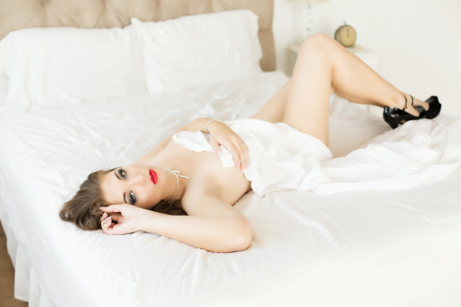sexy sheets boudoir, scottsdale glamour photography