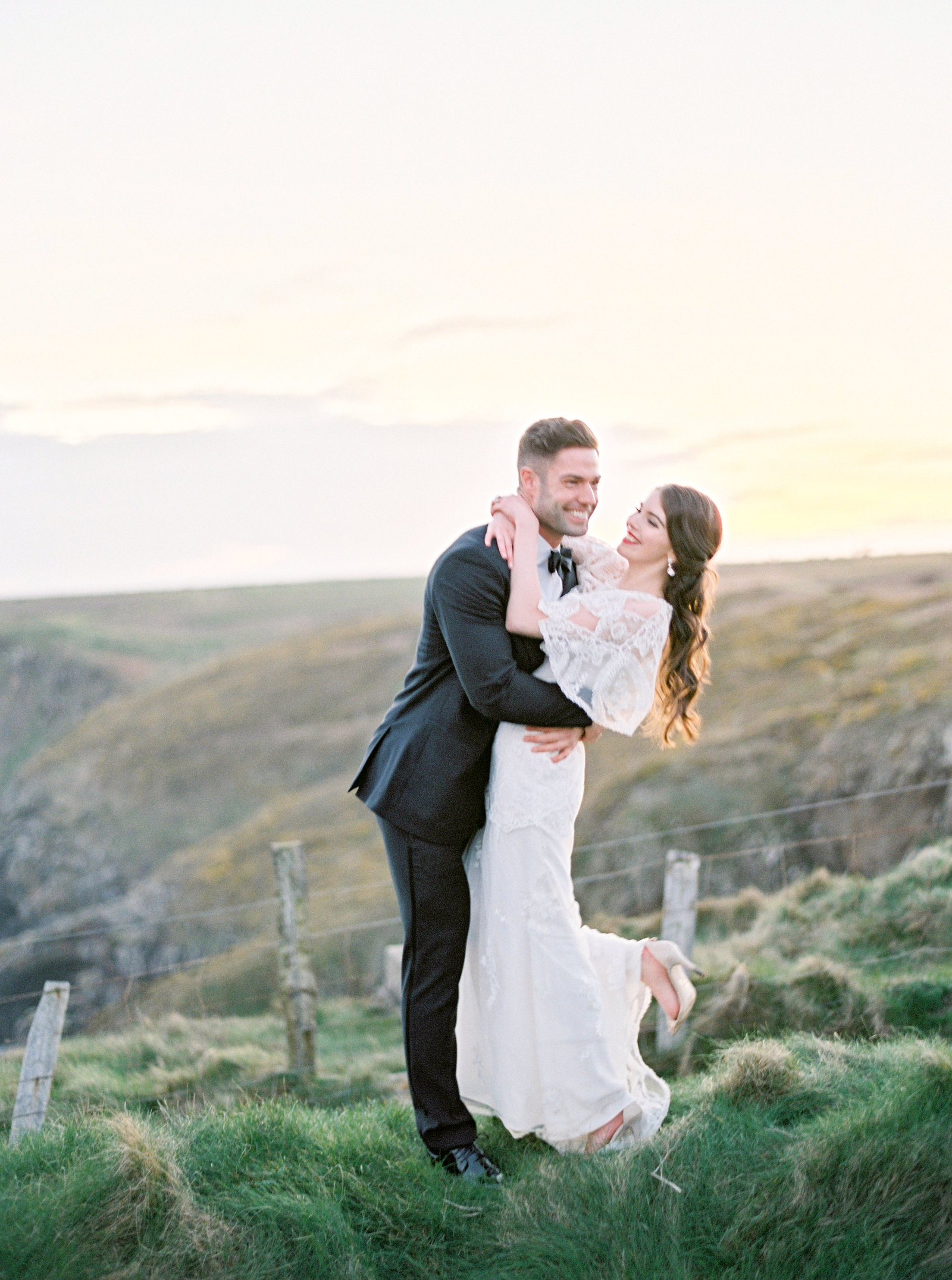 amelia_johnson_photography_for_atrendy_wedding_ireland00483