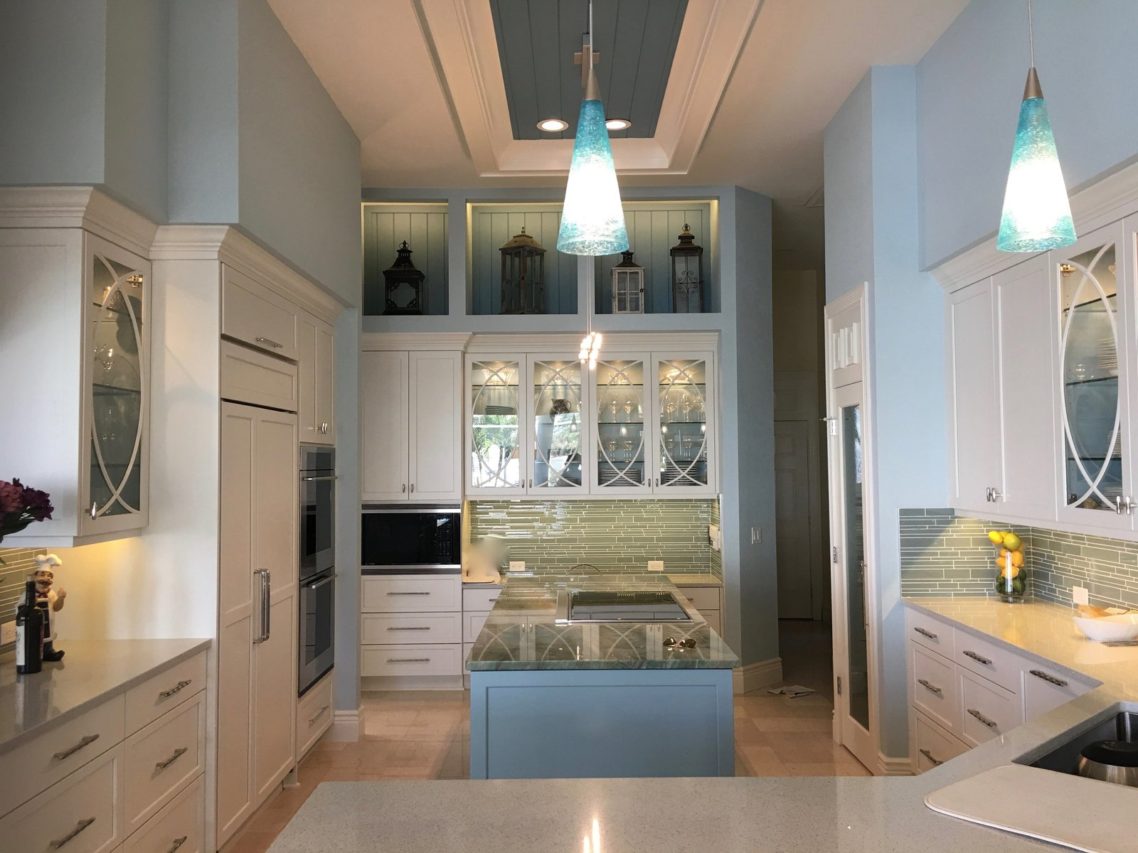 Blue and White Florida Kitchen Design