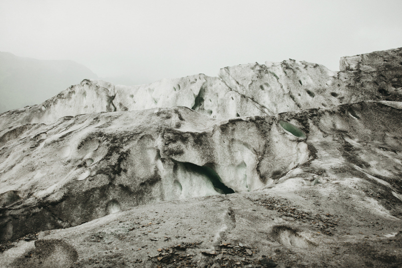 athena-and-camron-alaska-elopement-wedding-inspiration-india-earl-athena-grace-glacier-lagoon-wedding105
