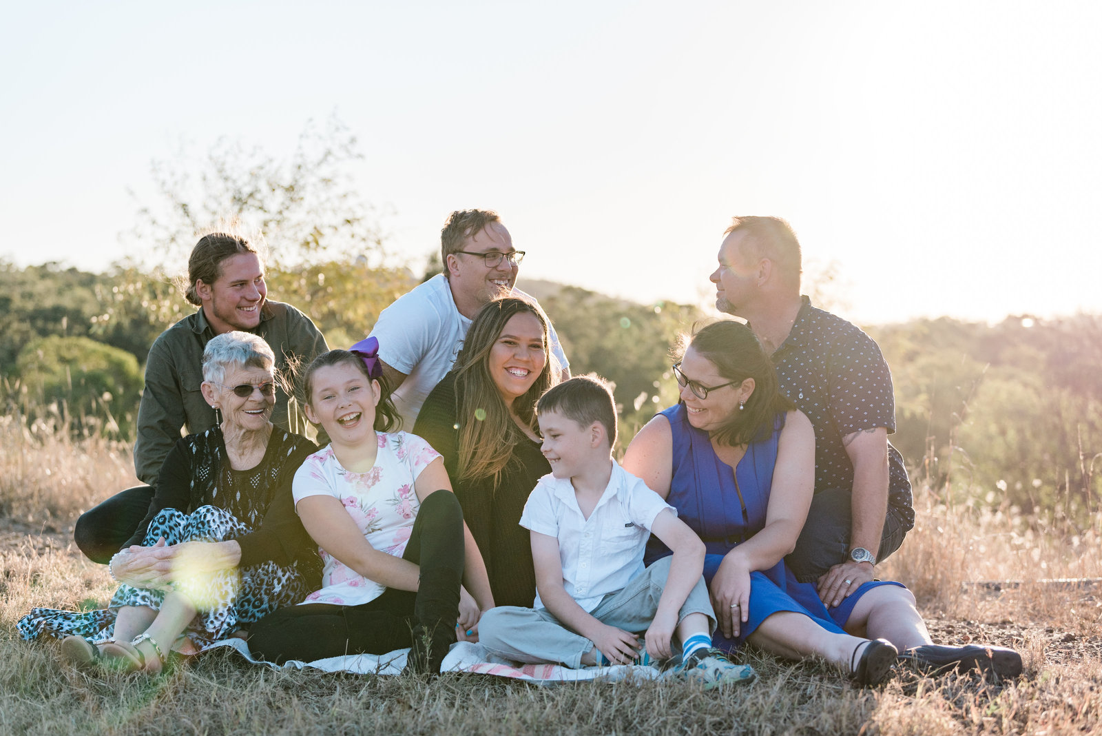 relaxed-family-portraits-sunset-grassy-field-sprinfield-brisbane-lead-images (1 of 12)