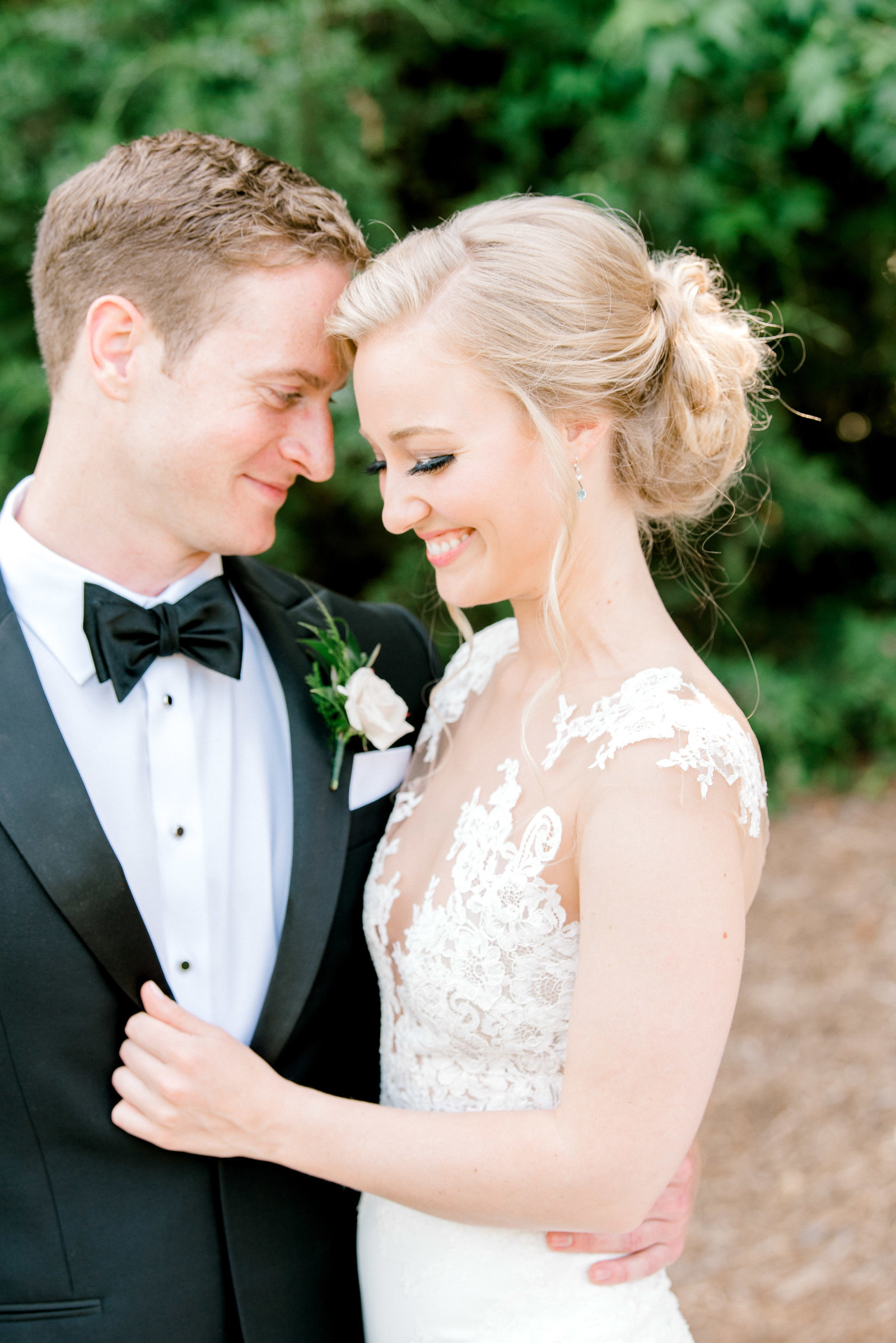 charlotte-wedding-photographer-firethorne-country-club-wedding-golf-course-fine-art-bright-and-airy-film-photographer-alyssa-frost-photography-1