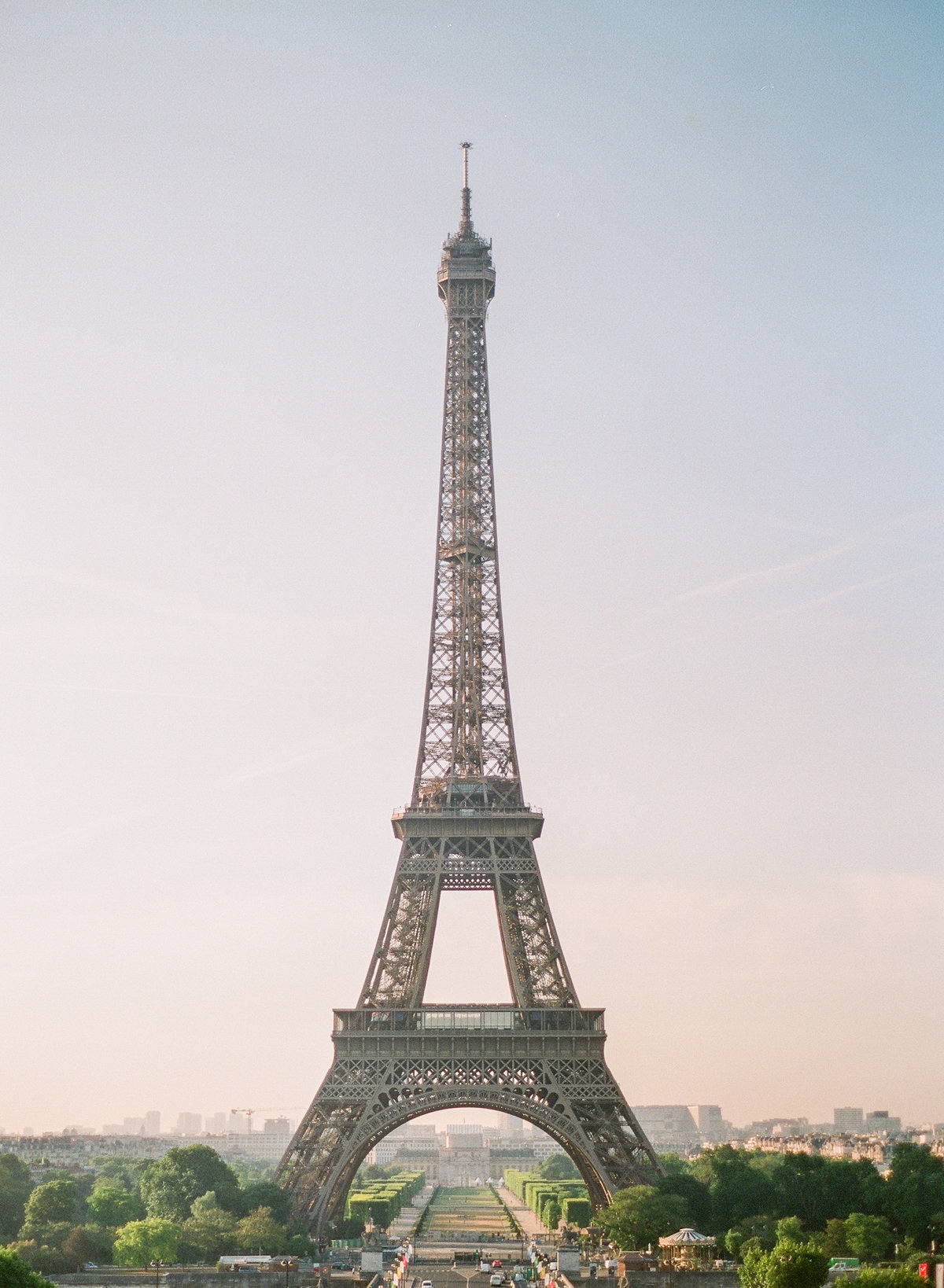 Paris-Wedding-Photographer-Film-Photographer-France-Molly-Carr-Photography-30