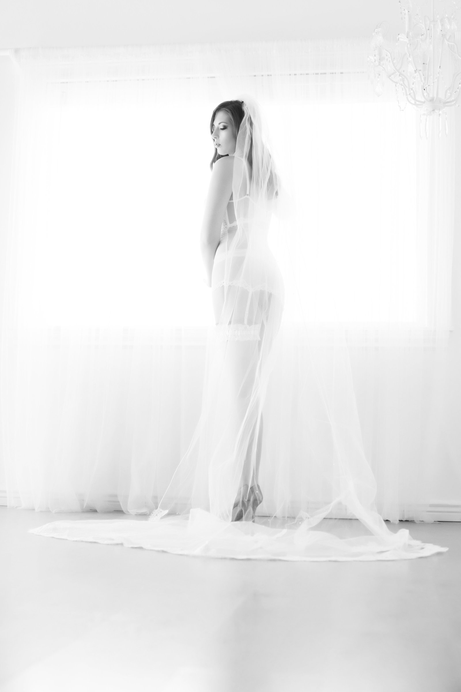 bridal black and white, scottsdale boudoir photography