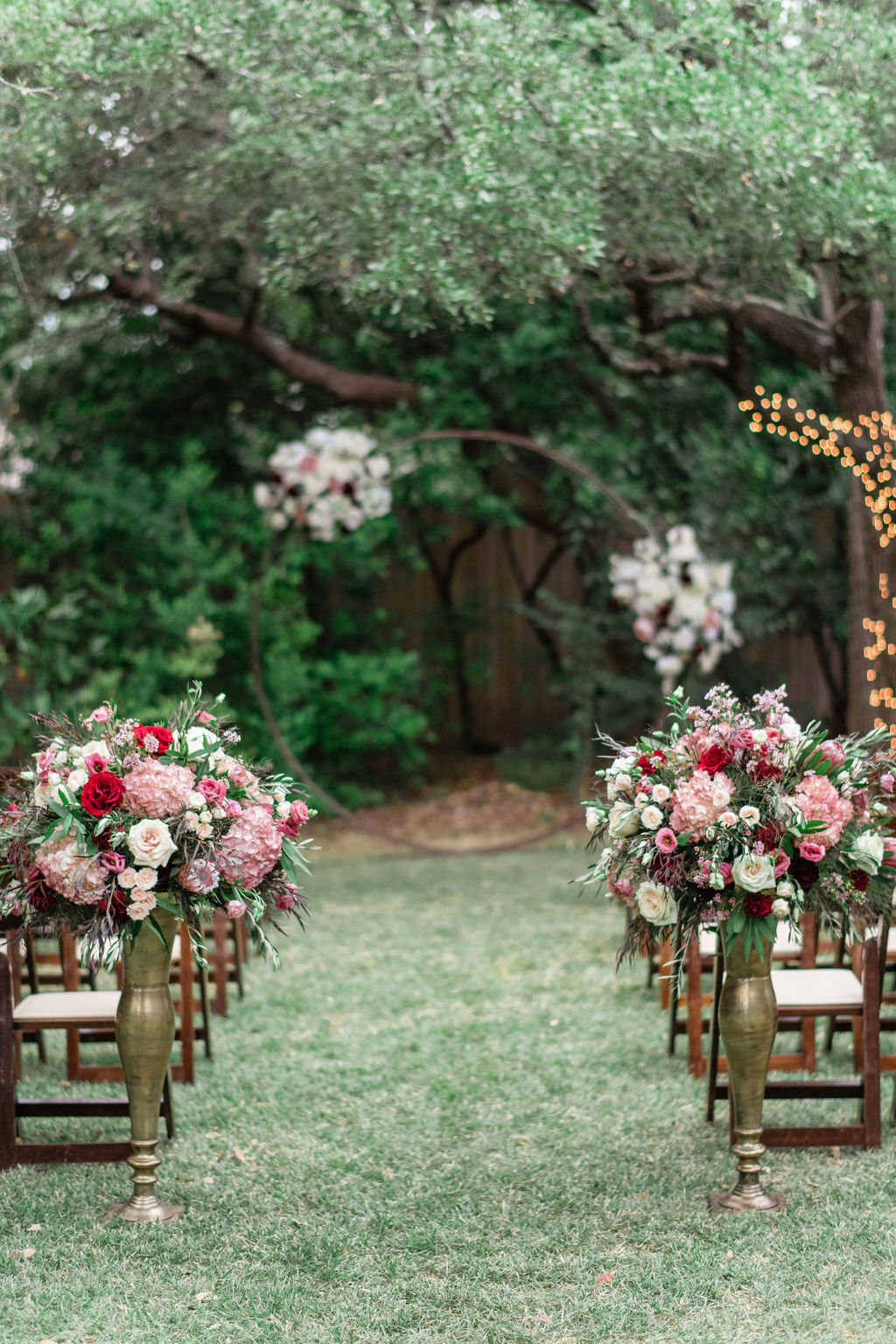 Kristina&Jason-WeddingBlogPost-BackyardWedding-AustinTexas-AprilMaeCreative-AustinWeddingPhotographer-54