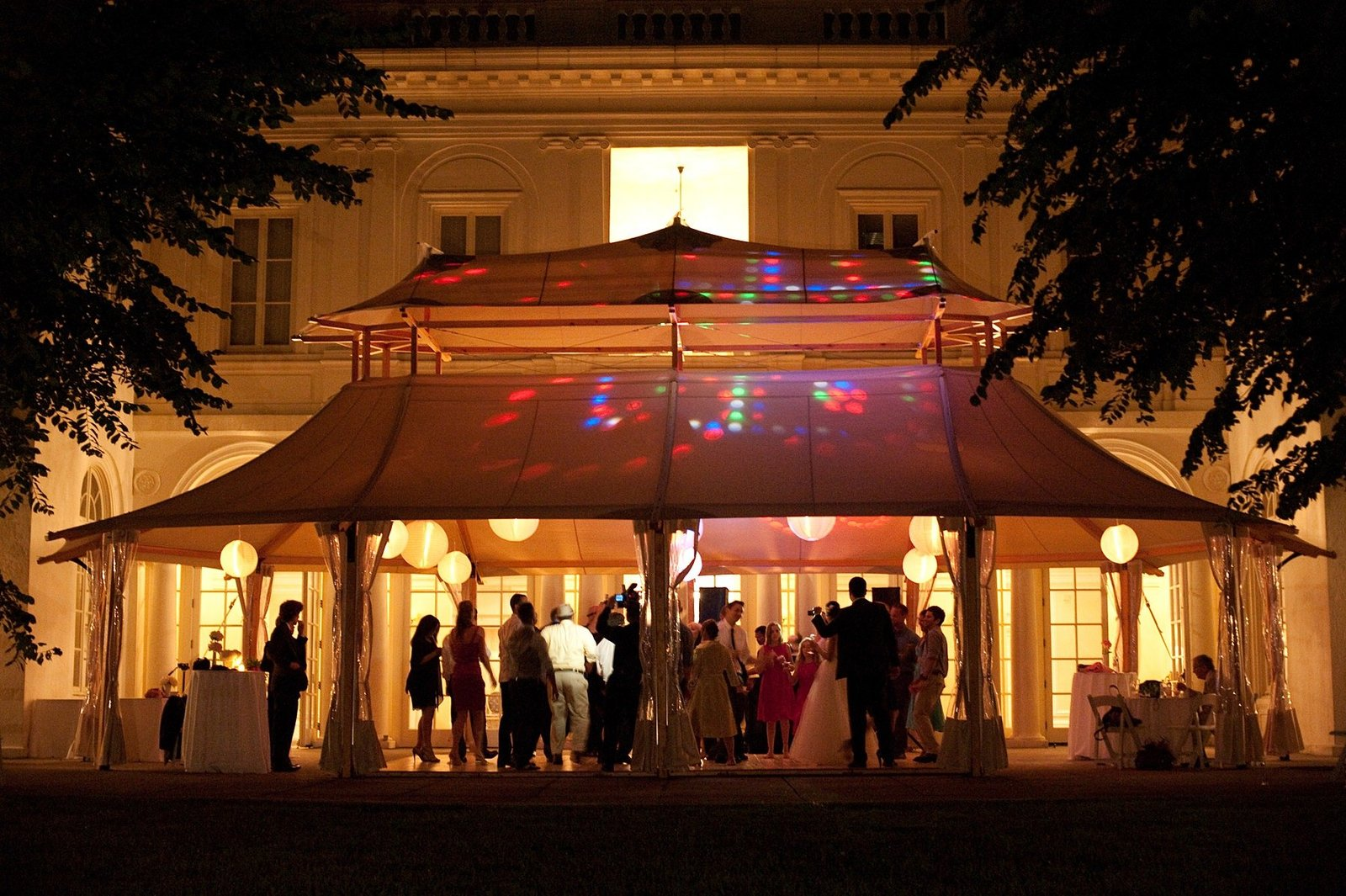 spring_wadsworth_mansion_sperry_tent_wedding_0095