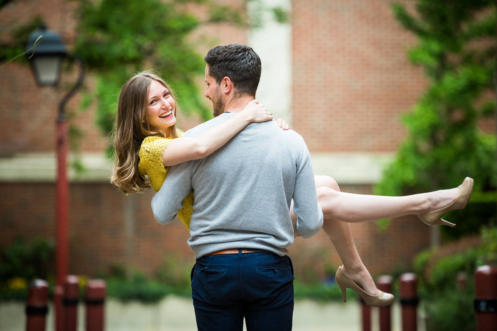 philadelphia-engagement-photographer-elfreth-alley