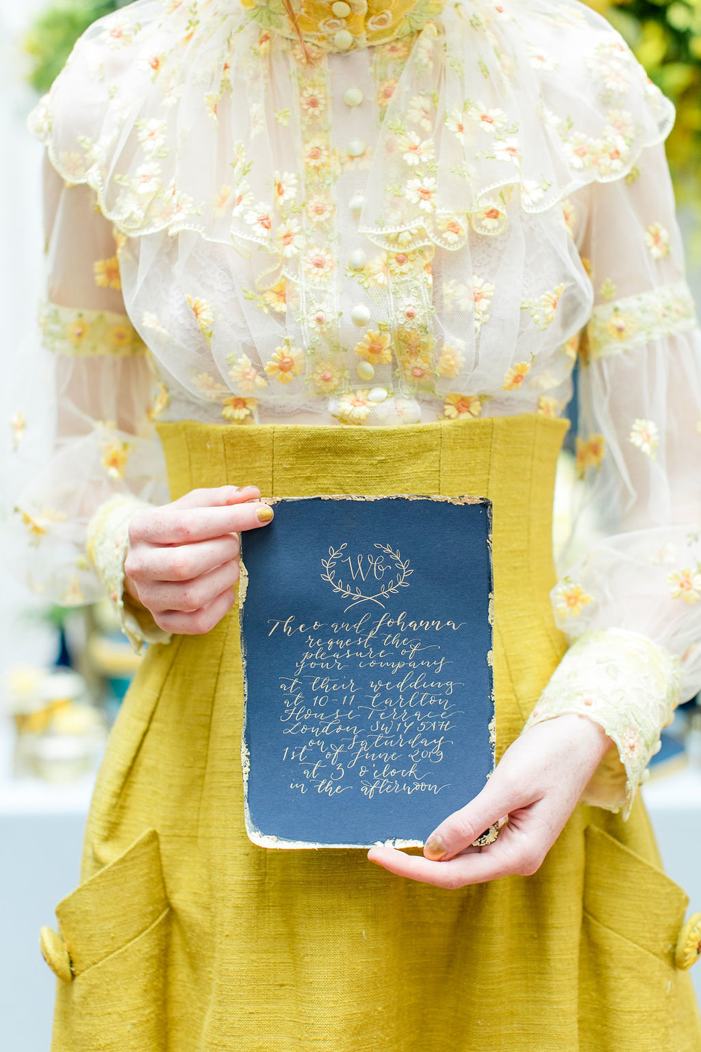 Mustard-yellow-linen-sunflower-wedding-dress-JoanneFlemingDesign-RobertaFacchiniPhoto  (5)