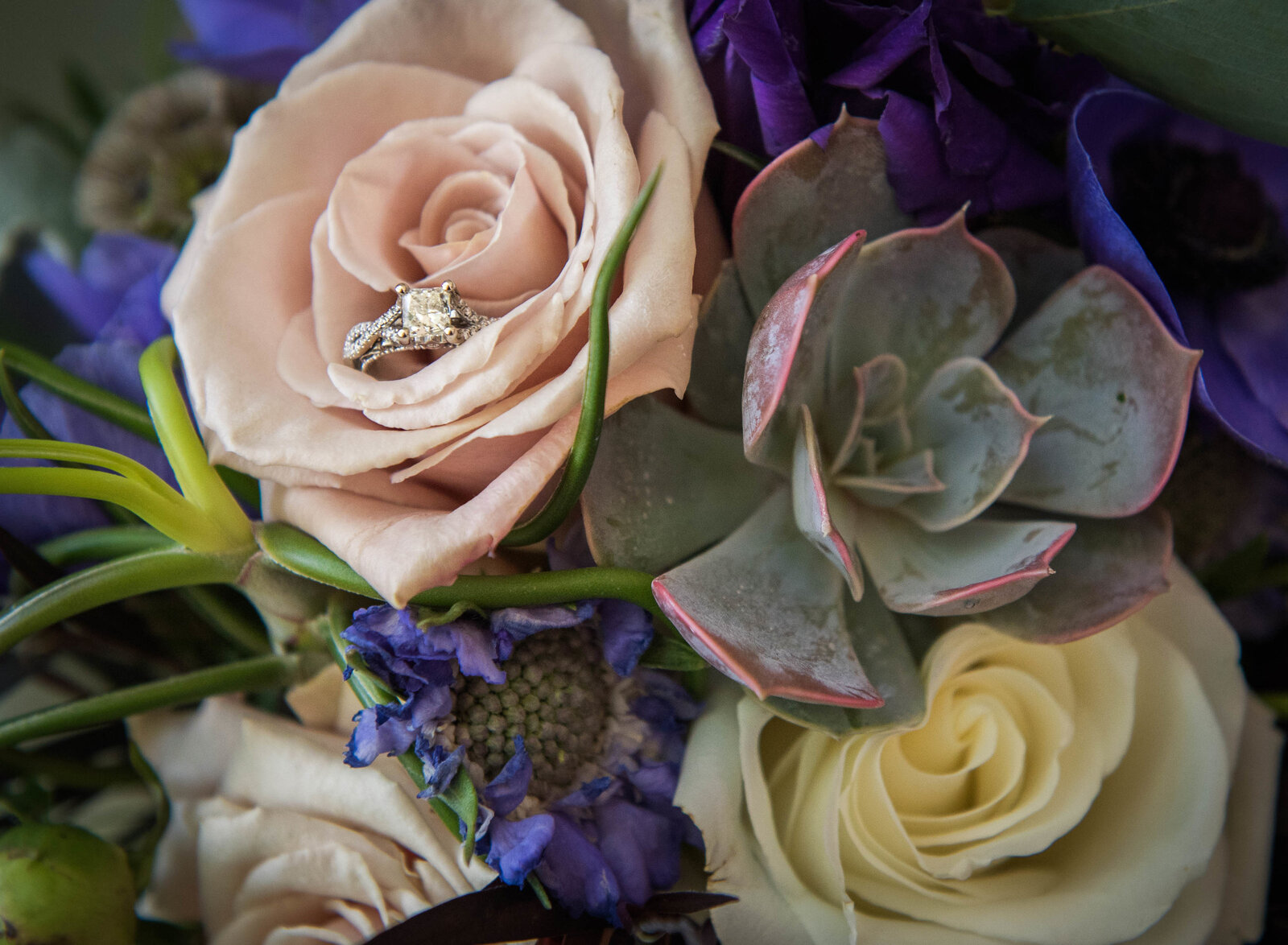 wedding-bouquet-ring-wheaton