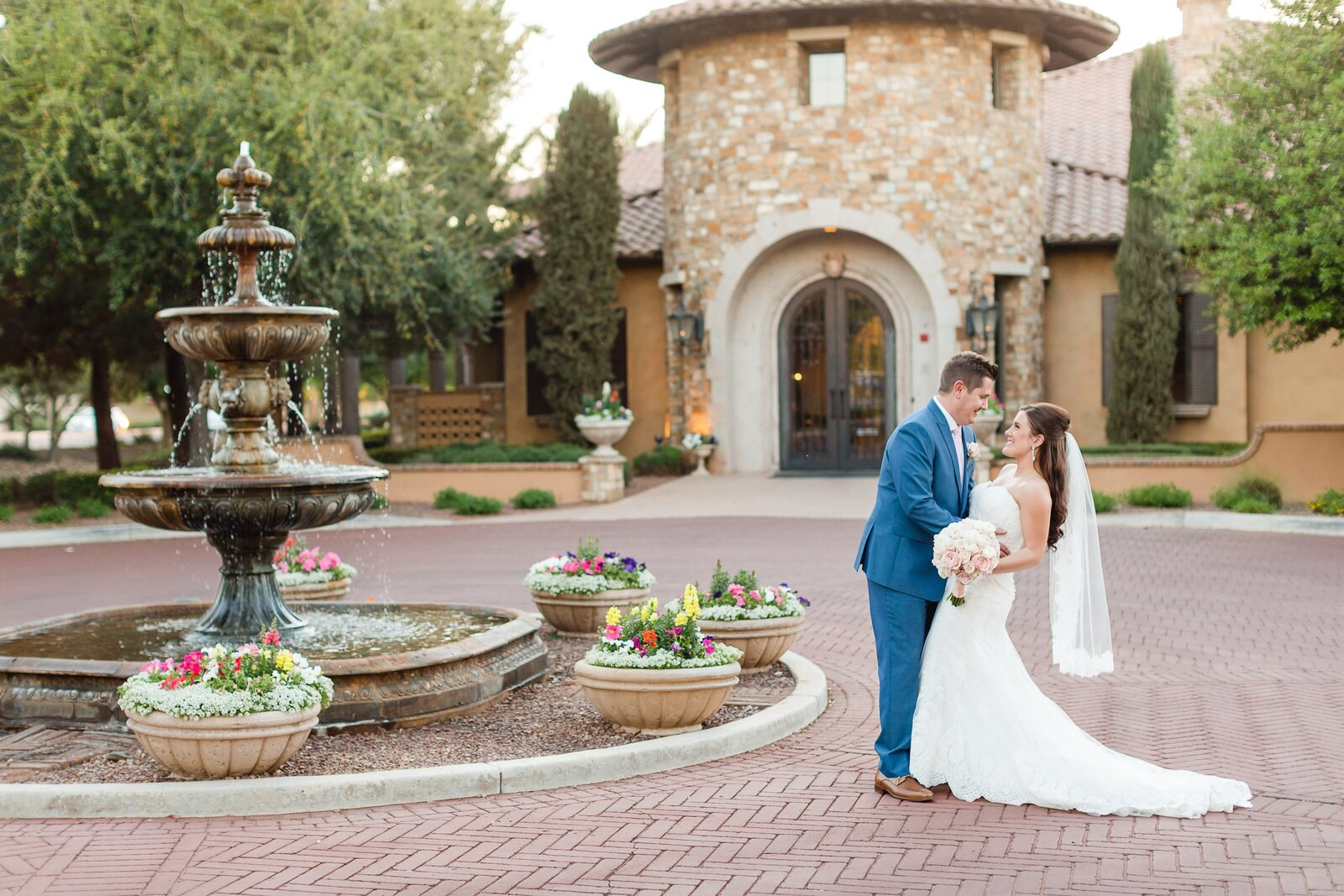 bride-and-groom-by-fountain