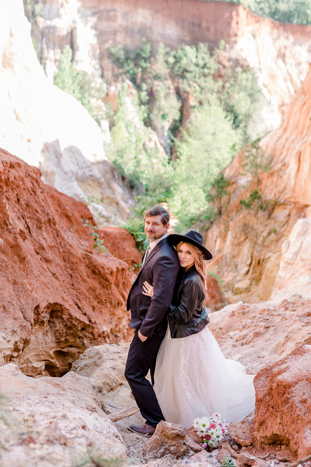 providence-canyon-wedding-elopement-adventure-hiking-georgia-arizona-18
