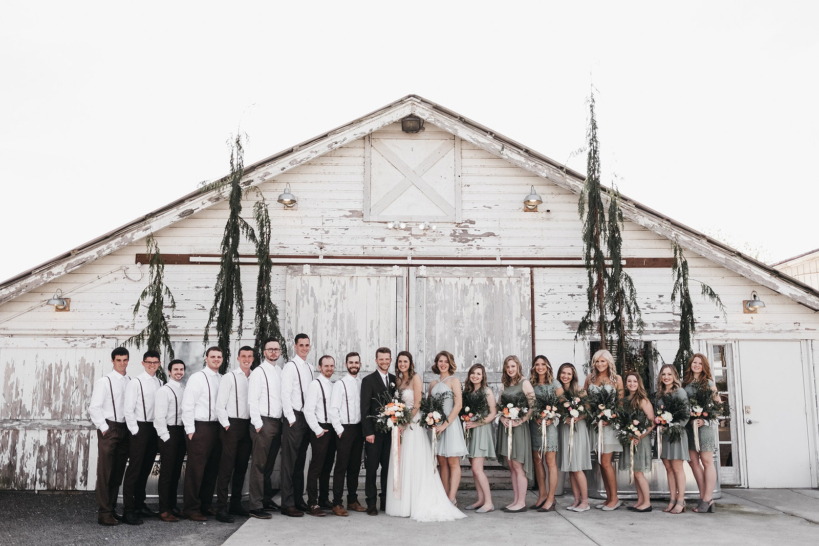 athena-and-camron-seattle-wedding-photographer-dairyland-snohomish-rustic-barn-wedding-flowers-styling-inspiration-lauren-madison-48