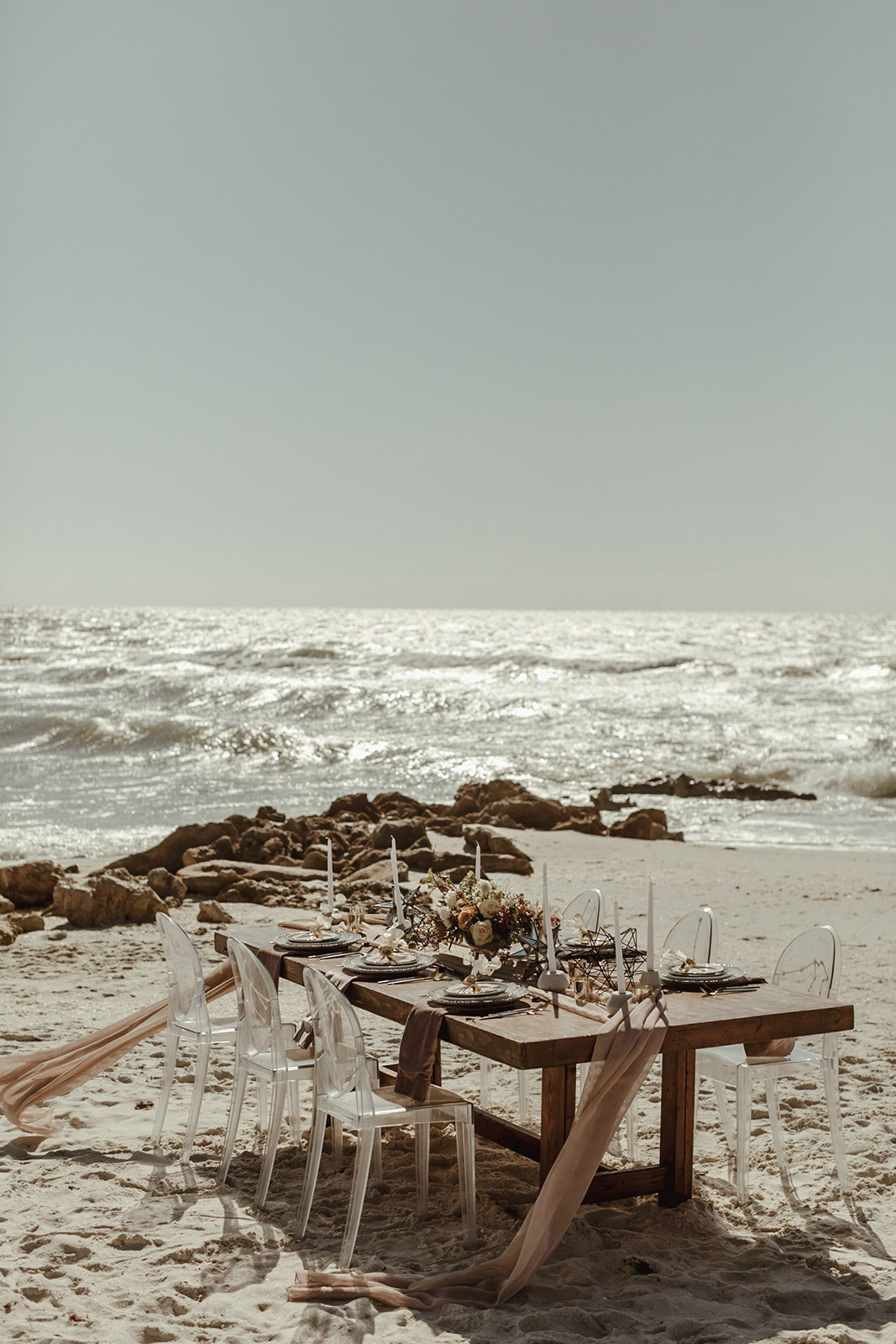 Celestial wedding inspiration_ beach elopement style-23