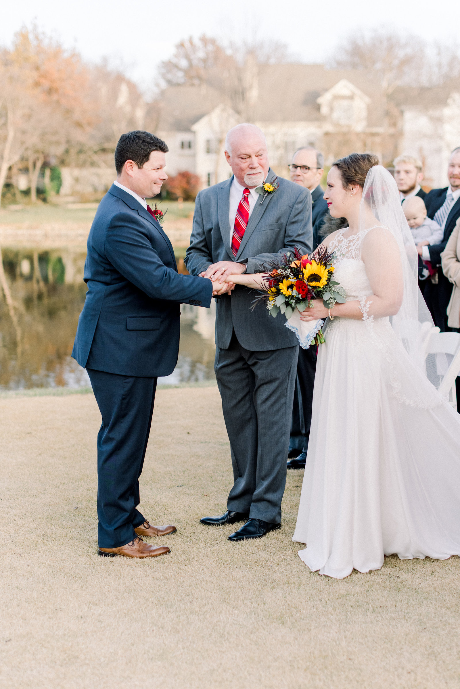 Fall_Deer_Creek_Club_Kansas_City_Wedding_Ashley+Travis-153