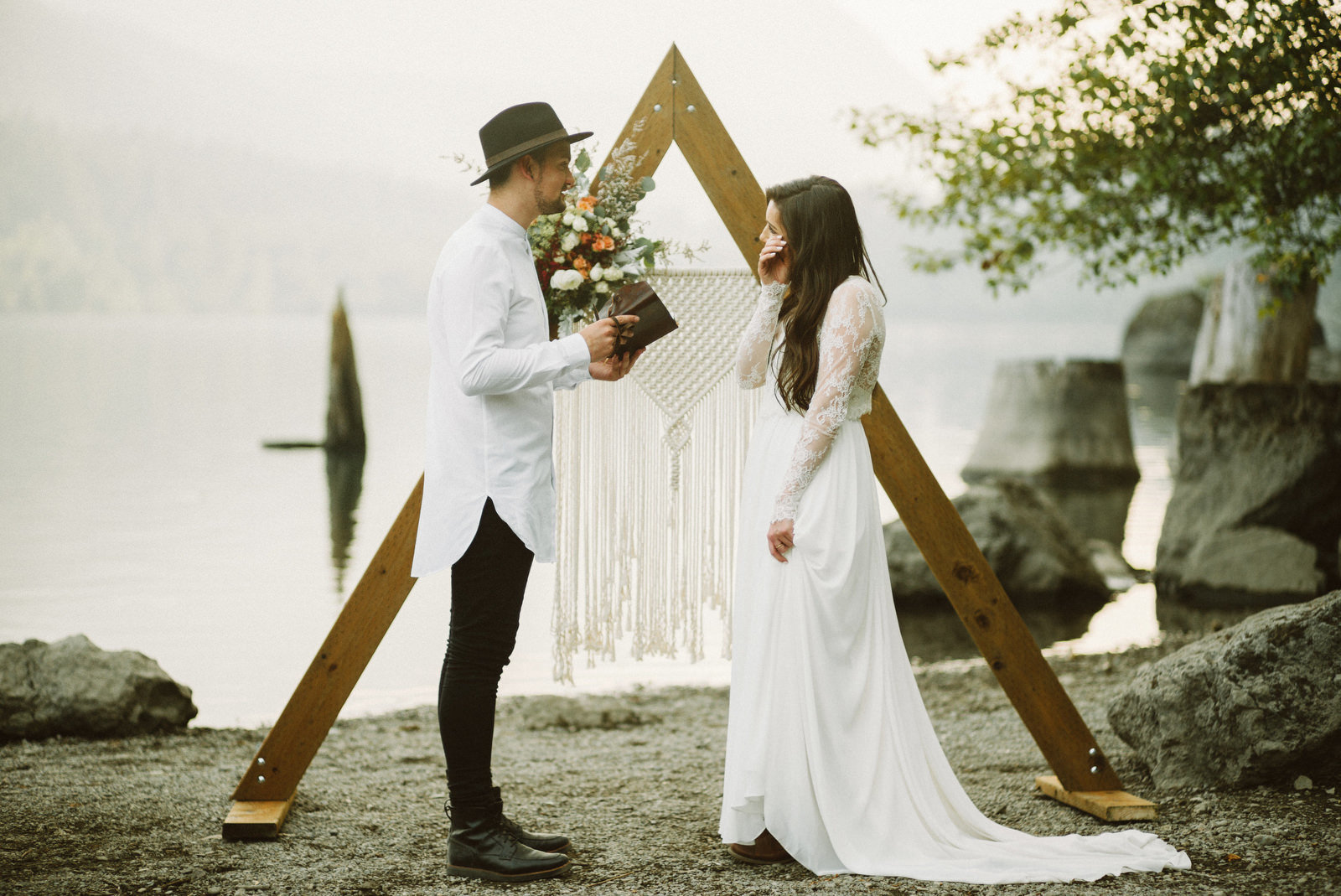 athena-and-camron-seattle-elopement-wedding-benj-haisch-rattlesnake-lake-christian-couple-goals48