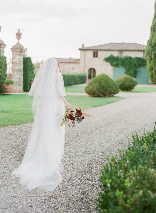 Molly-Carr-Photography-Paris-Film-Photographer-France-Wedding-Photographer-Europe-Destination-Wedding-Villa-Di-Geggiano-Siena-Tuscany-Italy-52