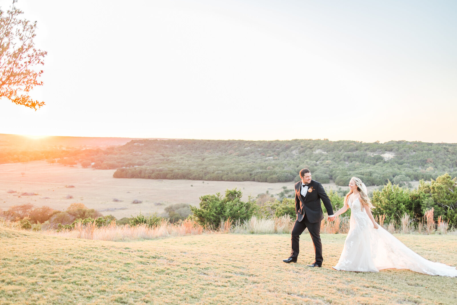 Contigo ranch wedding by fredericksburg texas wedding photographer Allison Jeffers 3