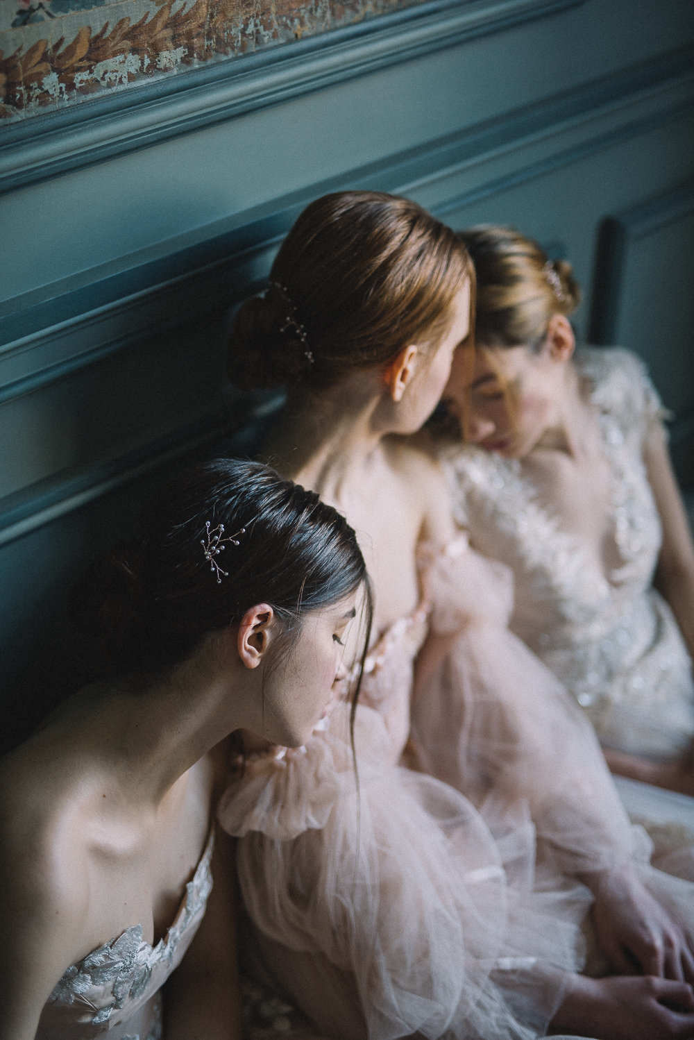 JoanneFlemingDesign-blush-tulle-romantic-wedding-dress-DavidWickhamPhoto (7)