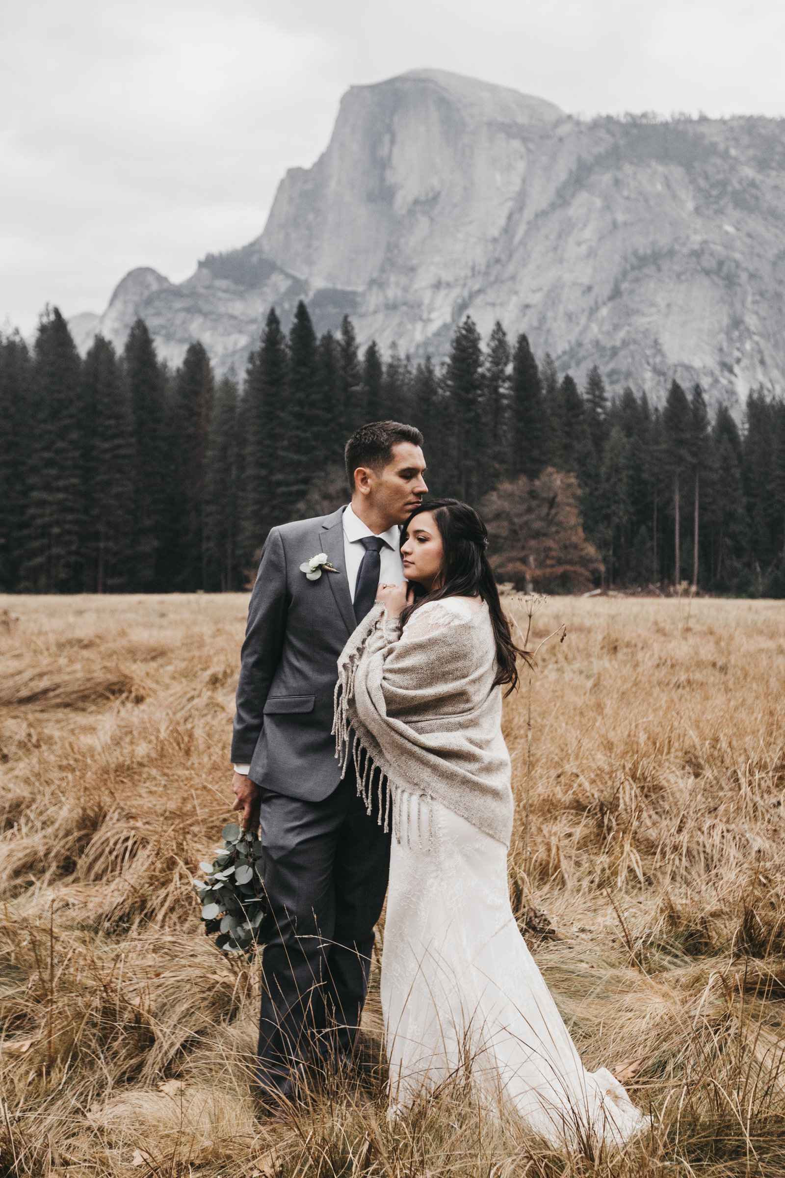 athena-and-camron-yosemite-elopement-wedding-photographer-elegent-valley-wedding41