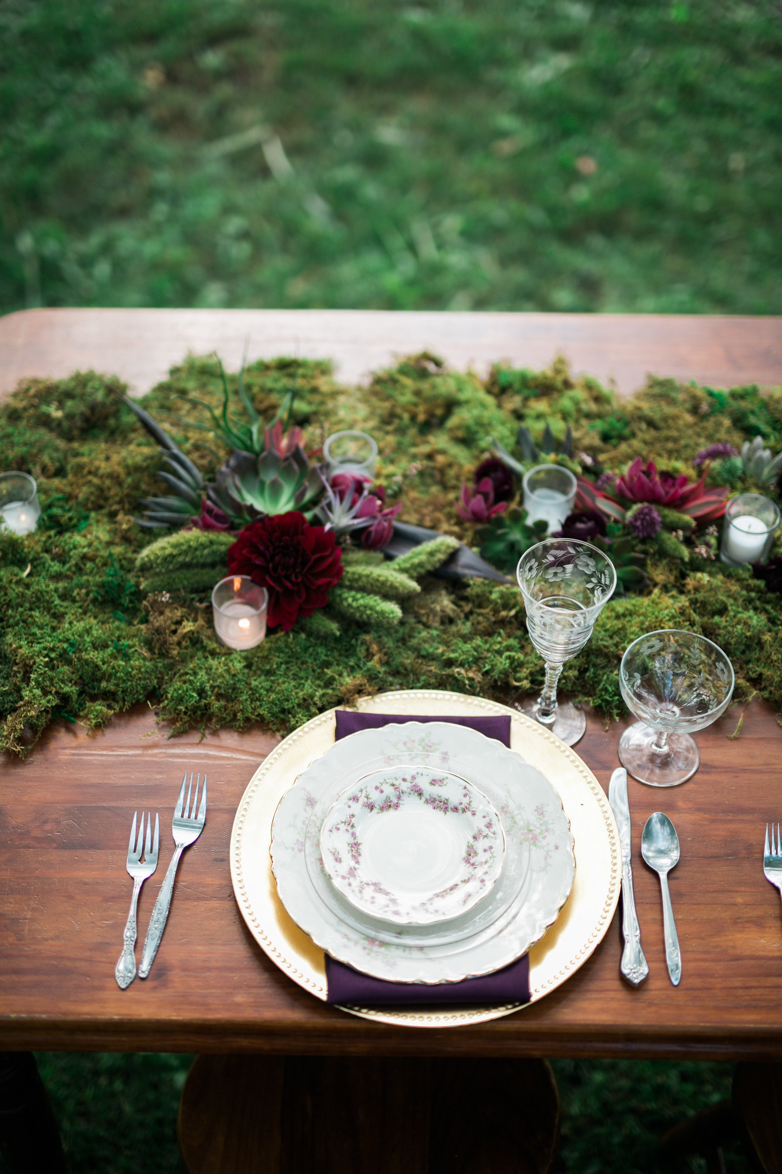 earthy-floral-design-moss-milwaukee-wedding-florist