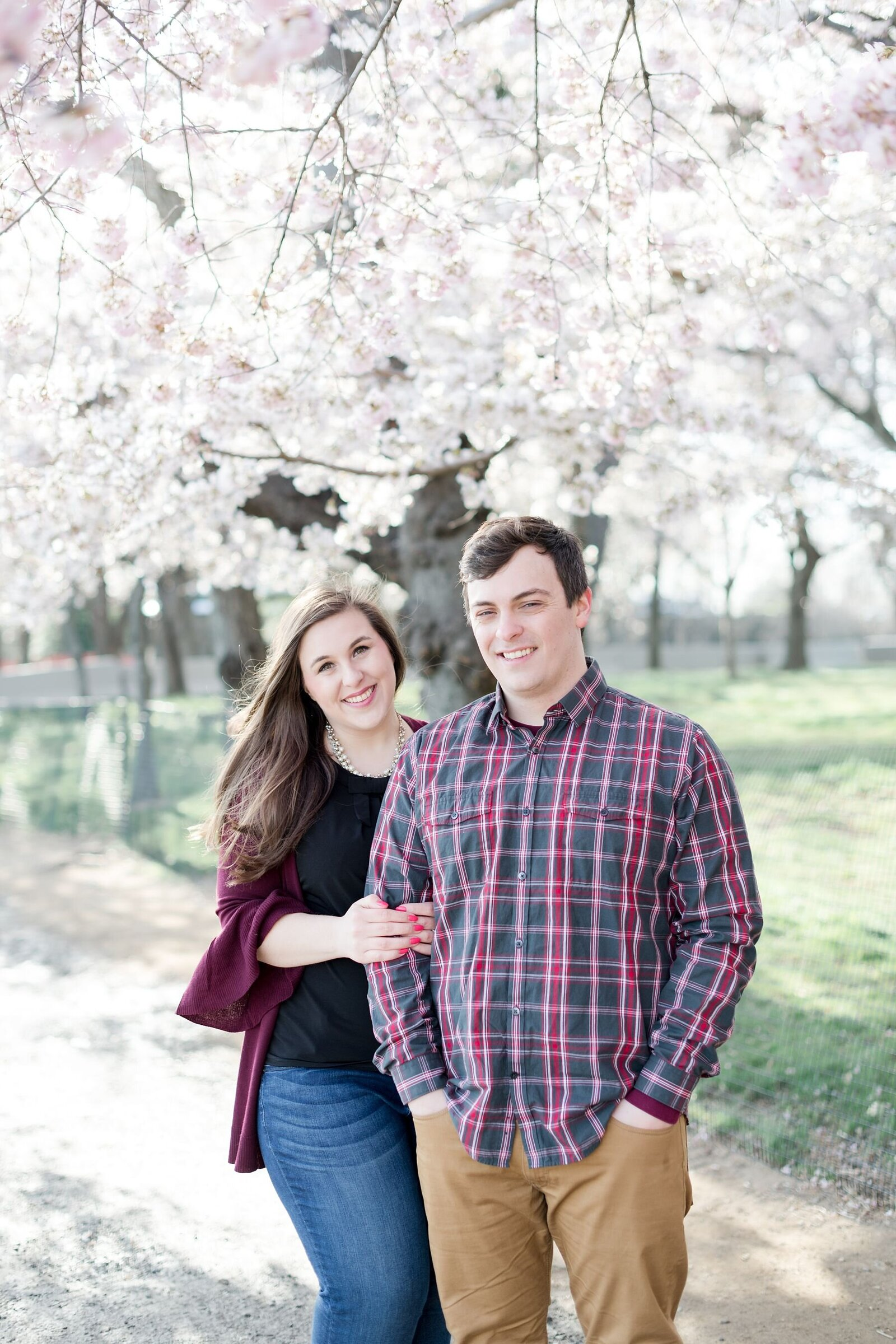 dc-cherry-blossom-engagement-photos_0004