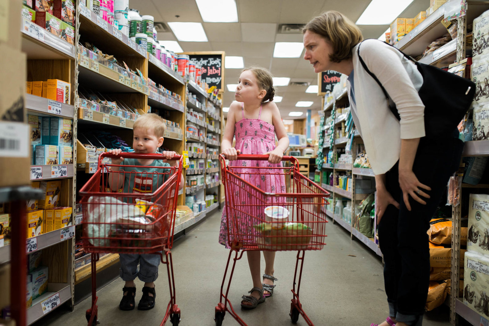 Boston-Family-Child-Photographer-grocery-store-session-11